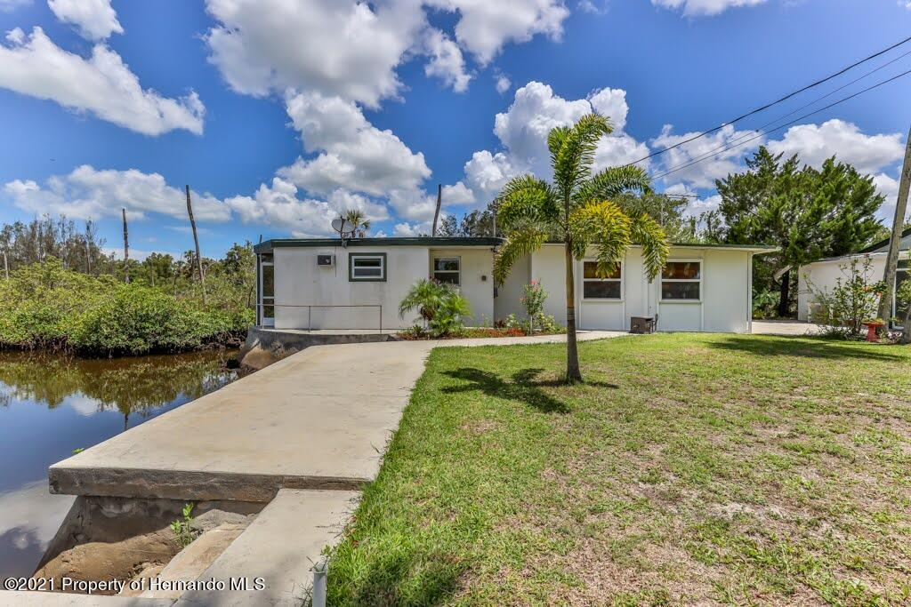 Listing photo id 41 for 3083 Sunset Vista Drive