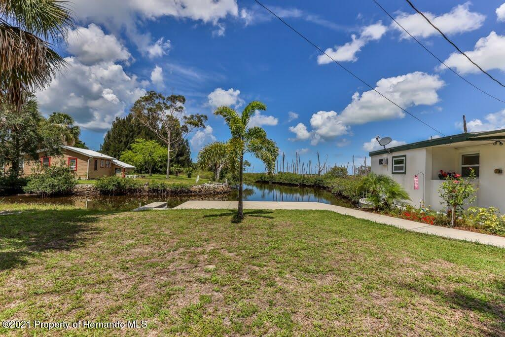 Listing photo id 43 for 3083 Sunset Vista Drive