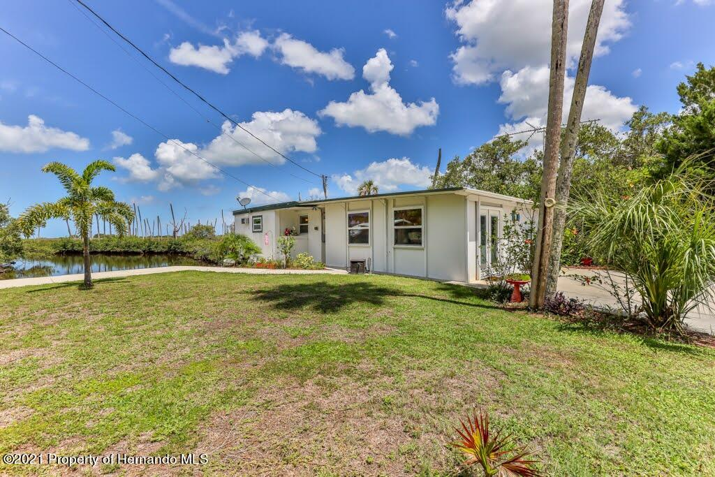 Listing photo id 44 for 3083 Sunset Vista Drive