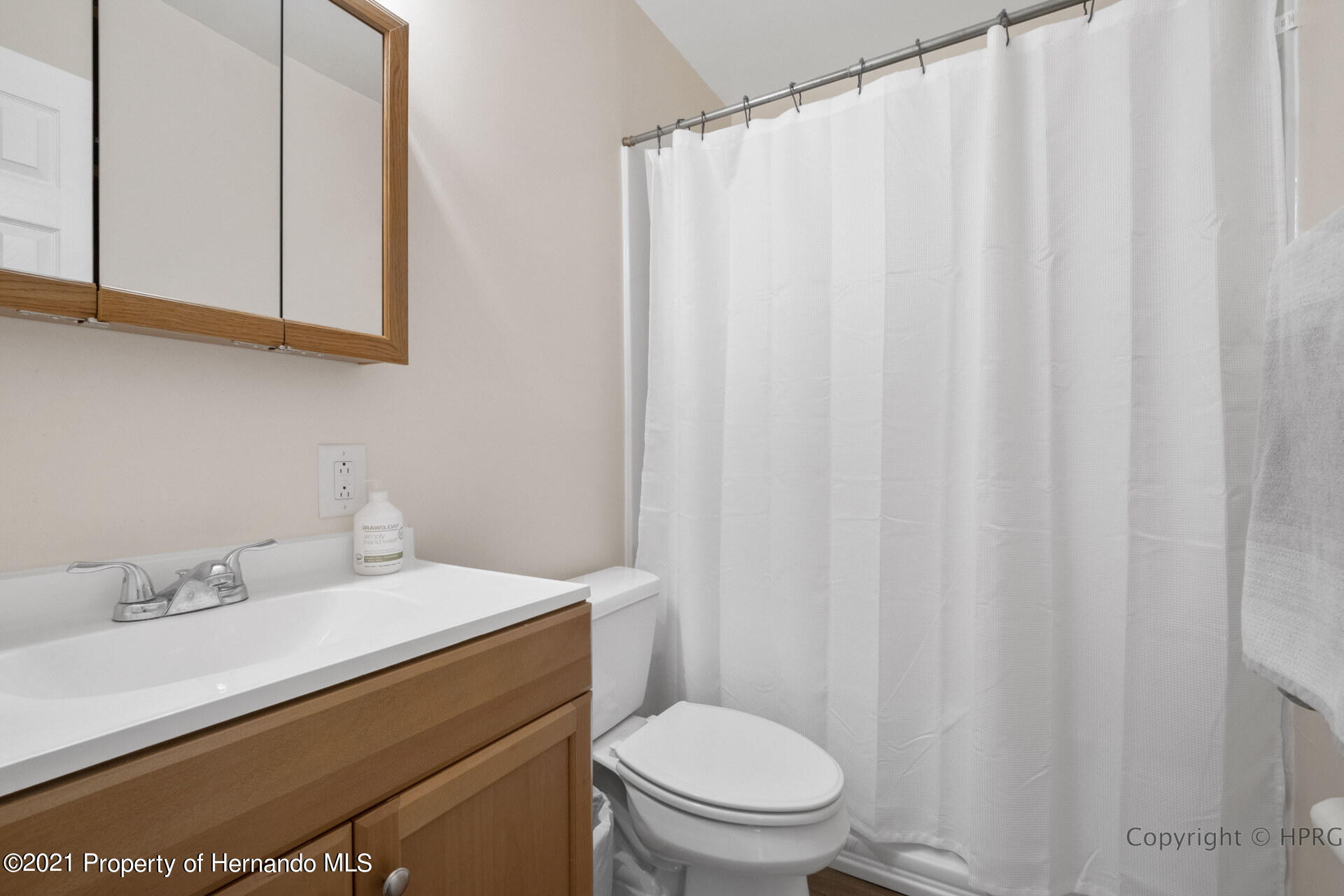 Image 10 For 21511 Campbell Drive