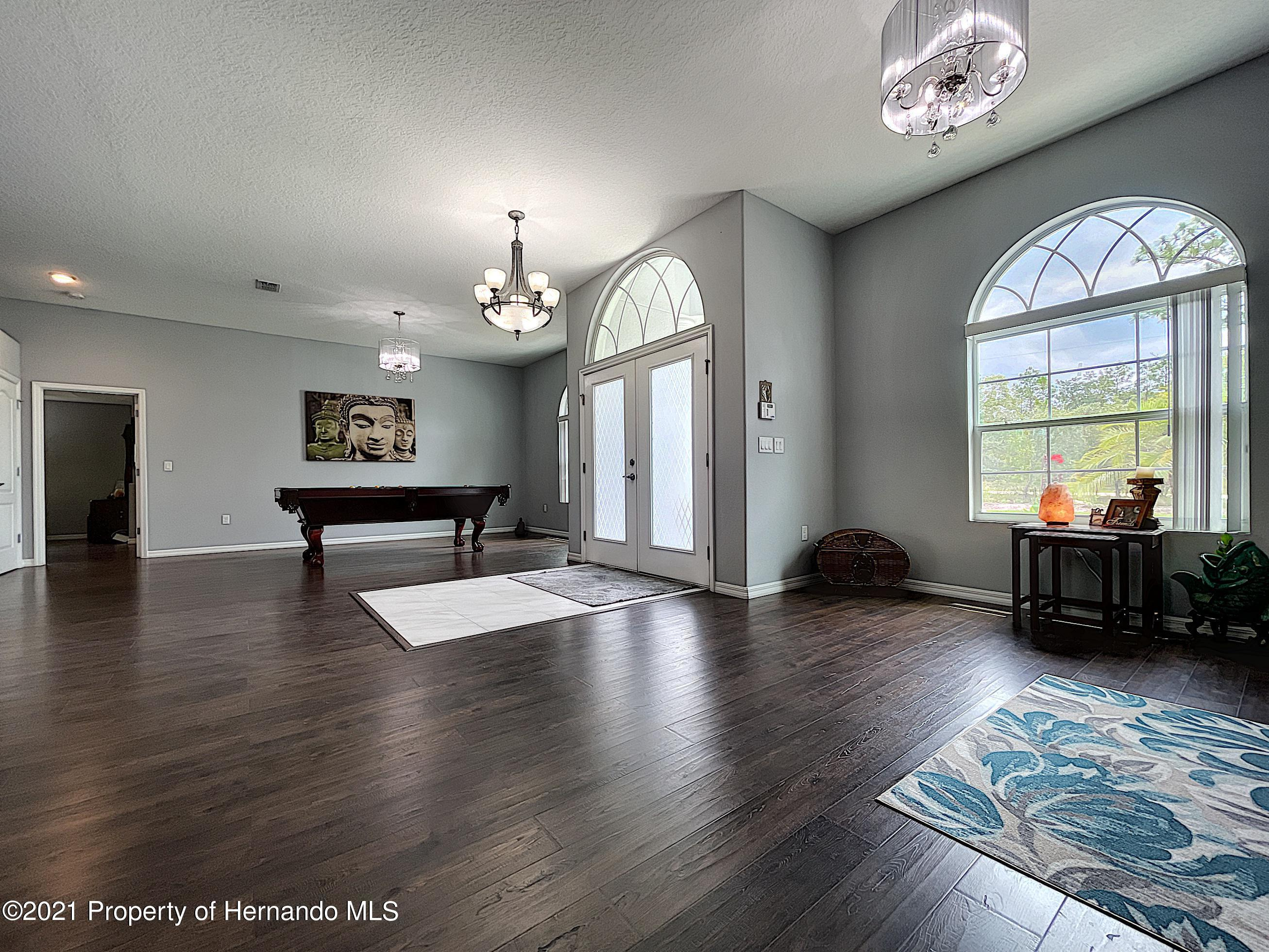 Listing photo id 10 for 18079 Parrot Road
