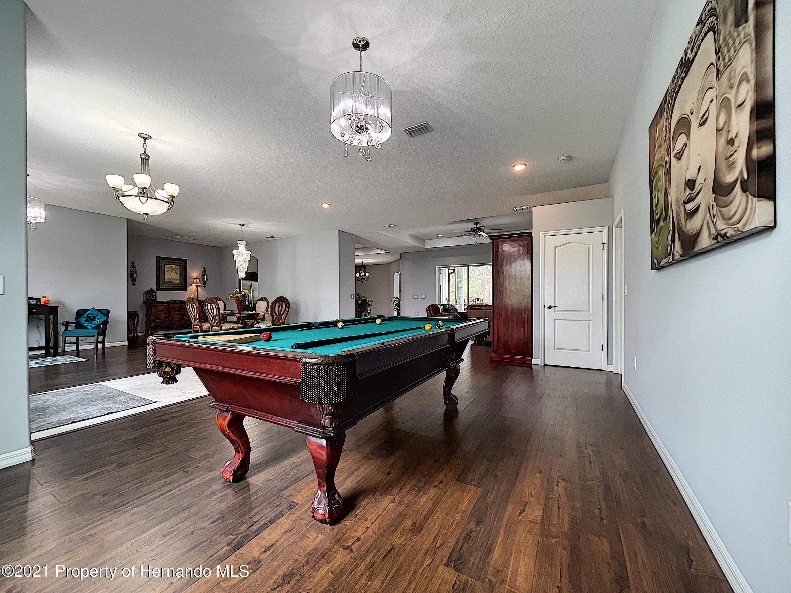 Listing photo id 11 for 18079 Parrot Road