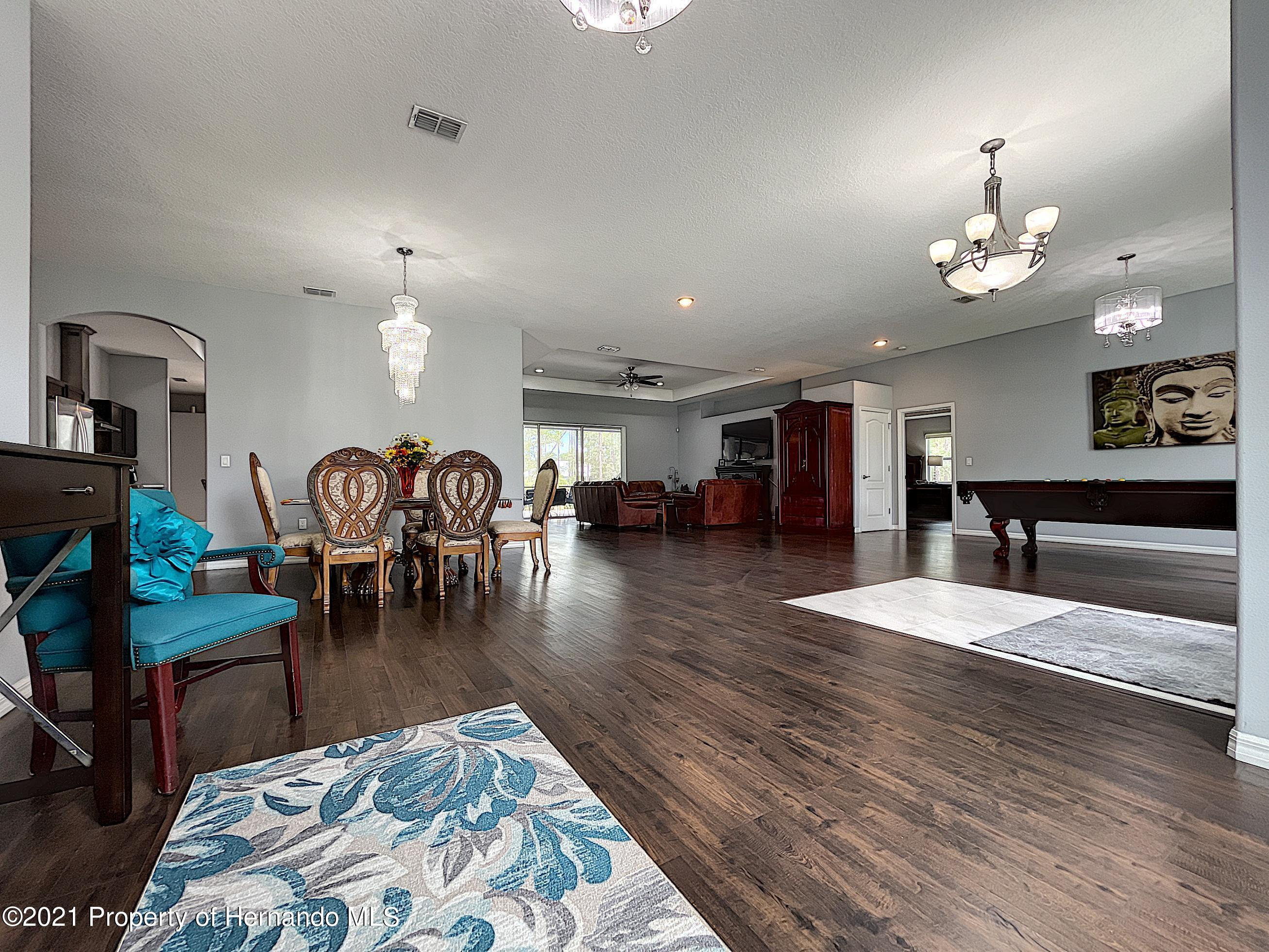 Listing photo id 12 for 18079 Parrot Road