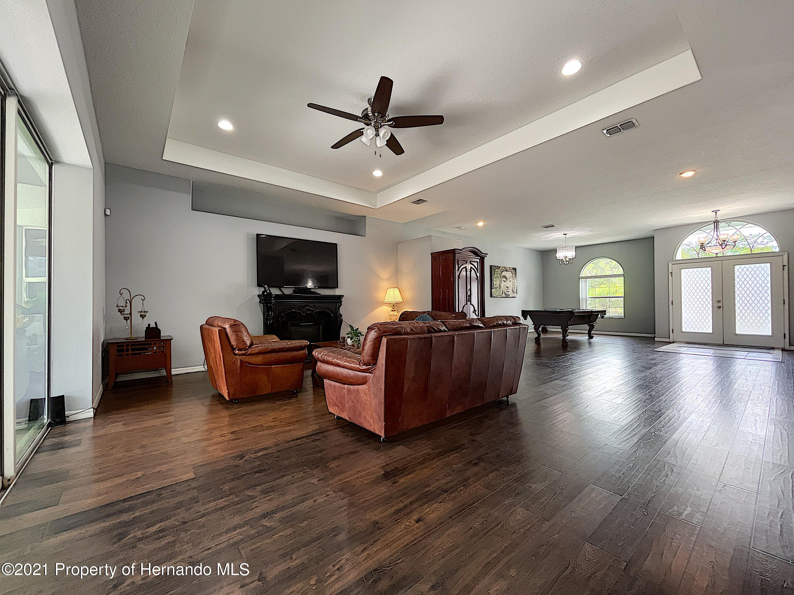 Listing photo id 14 for 18079 Parrot Road