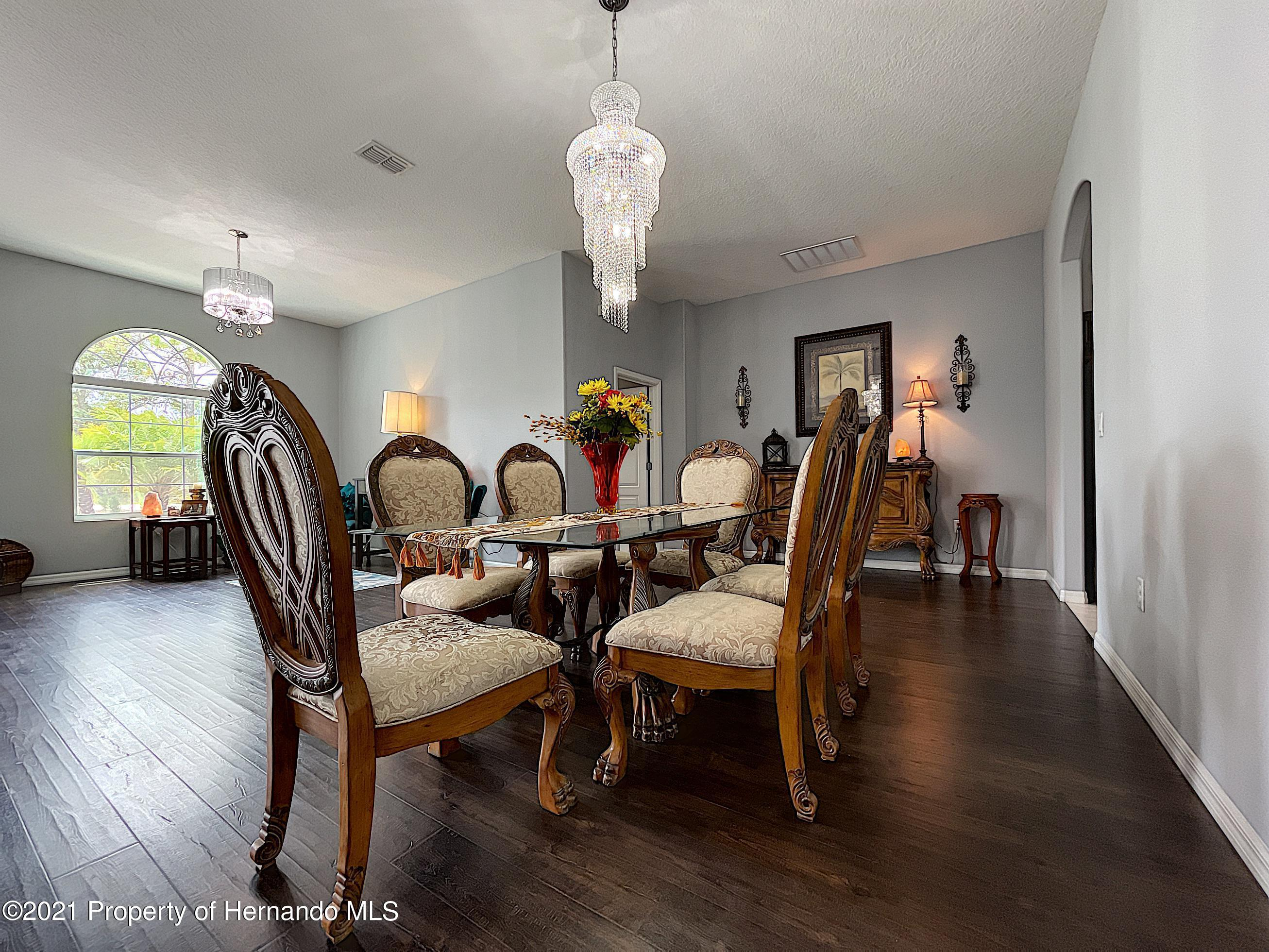 Listing photo id 17 for 18079 Parrot Road