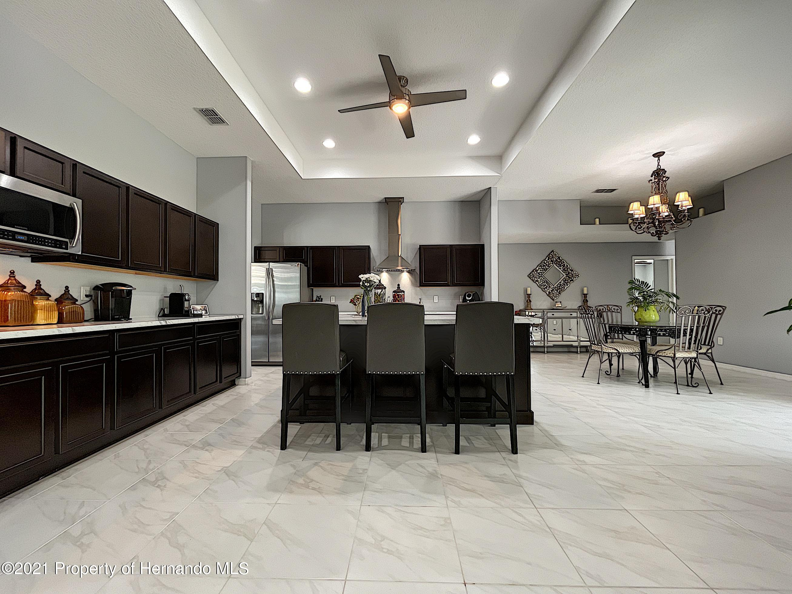 Listing photo id 20 for 18079 Parrot Road