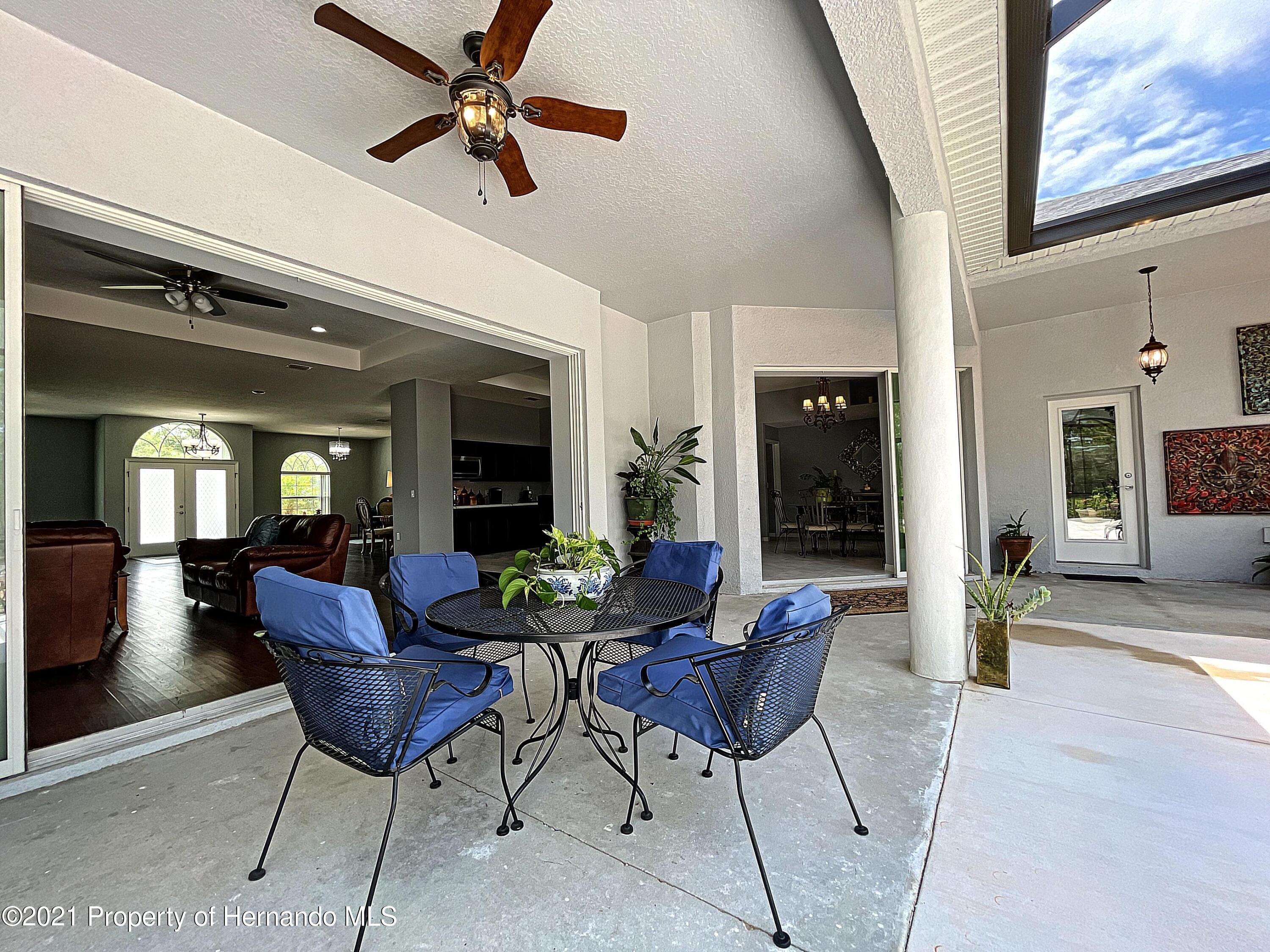 Listing photo id 52 for 18079 Parrot Road