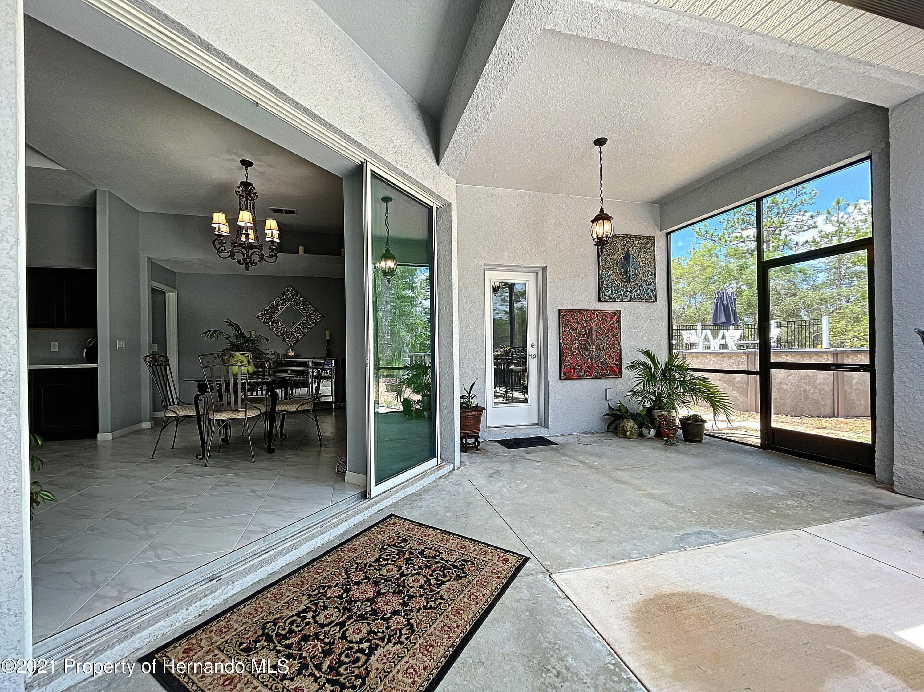 Listing photo id 53 for 18079 Parrot Road