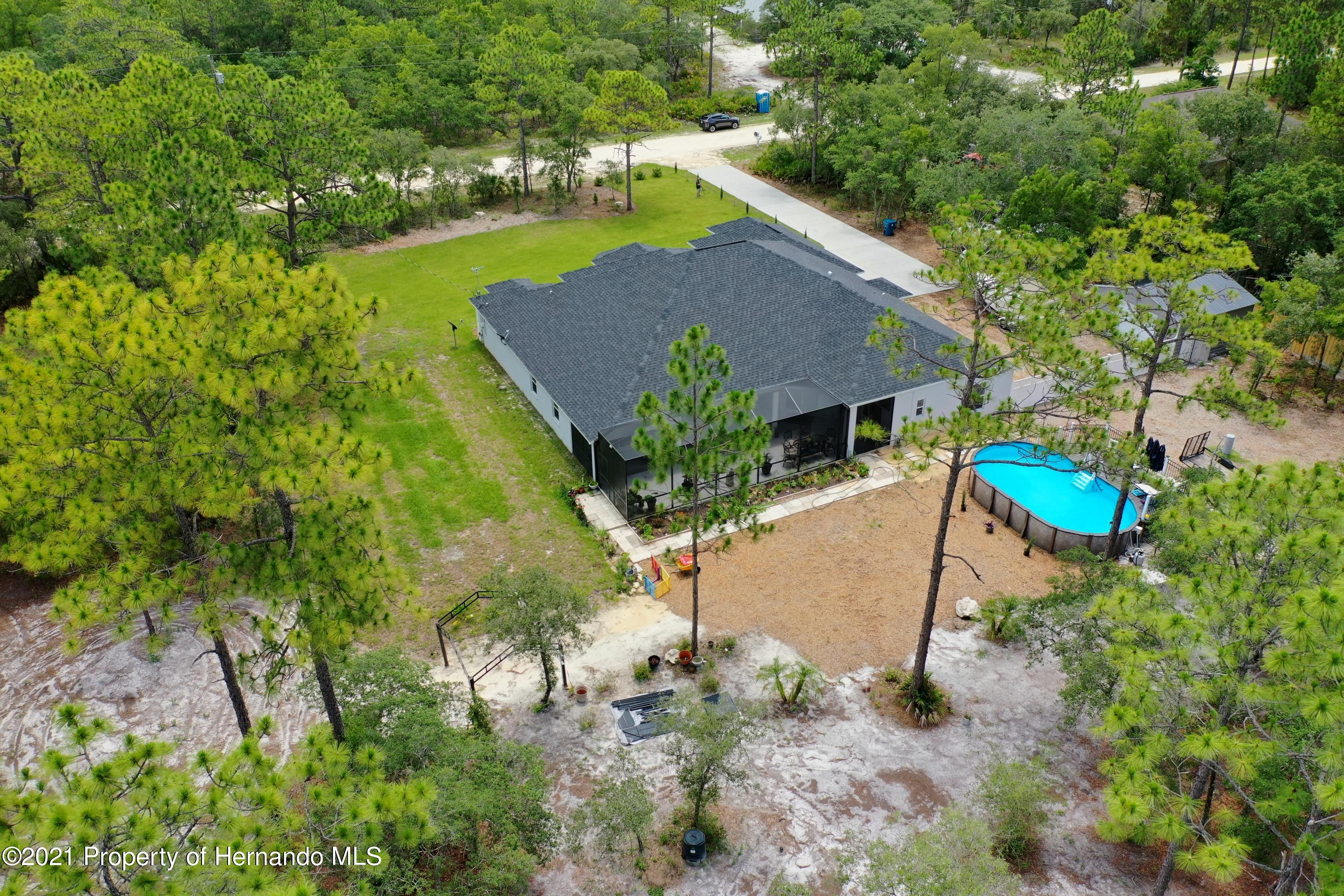 Listing photo id 57 for 18079 Parrot Road