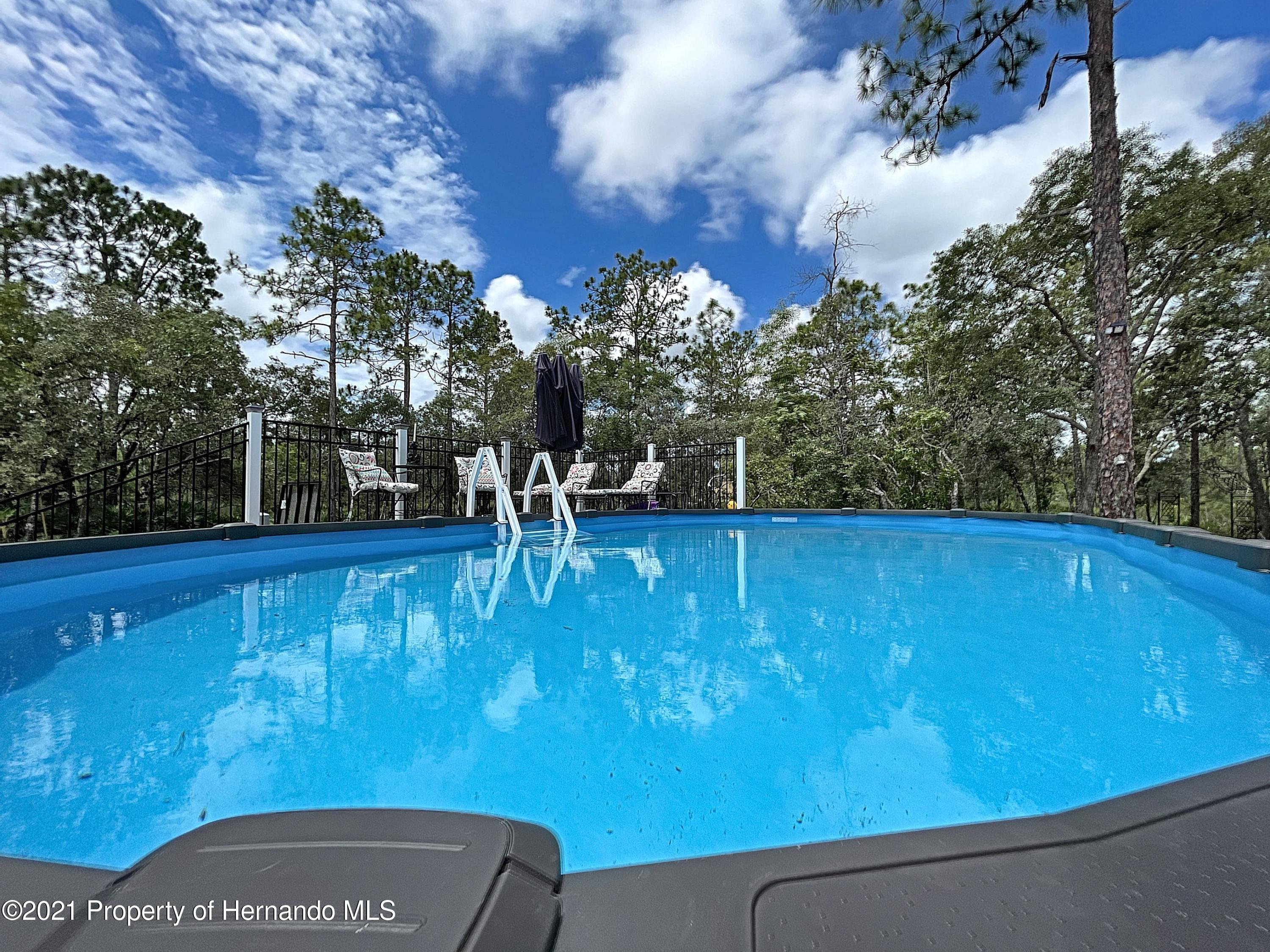 Listing photo id 55 for 18079 Parrot Road