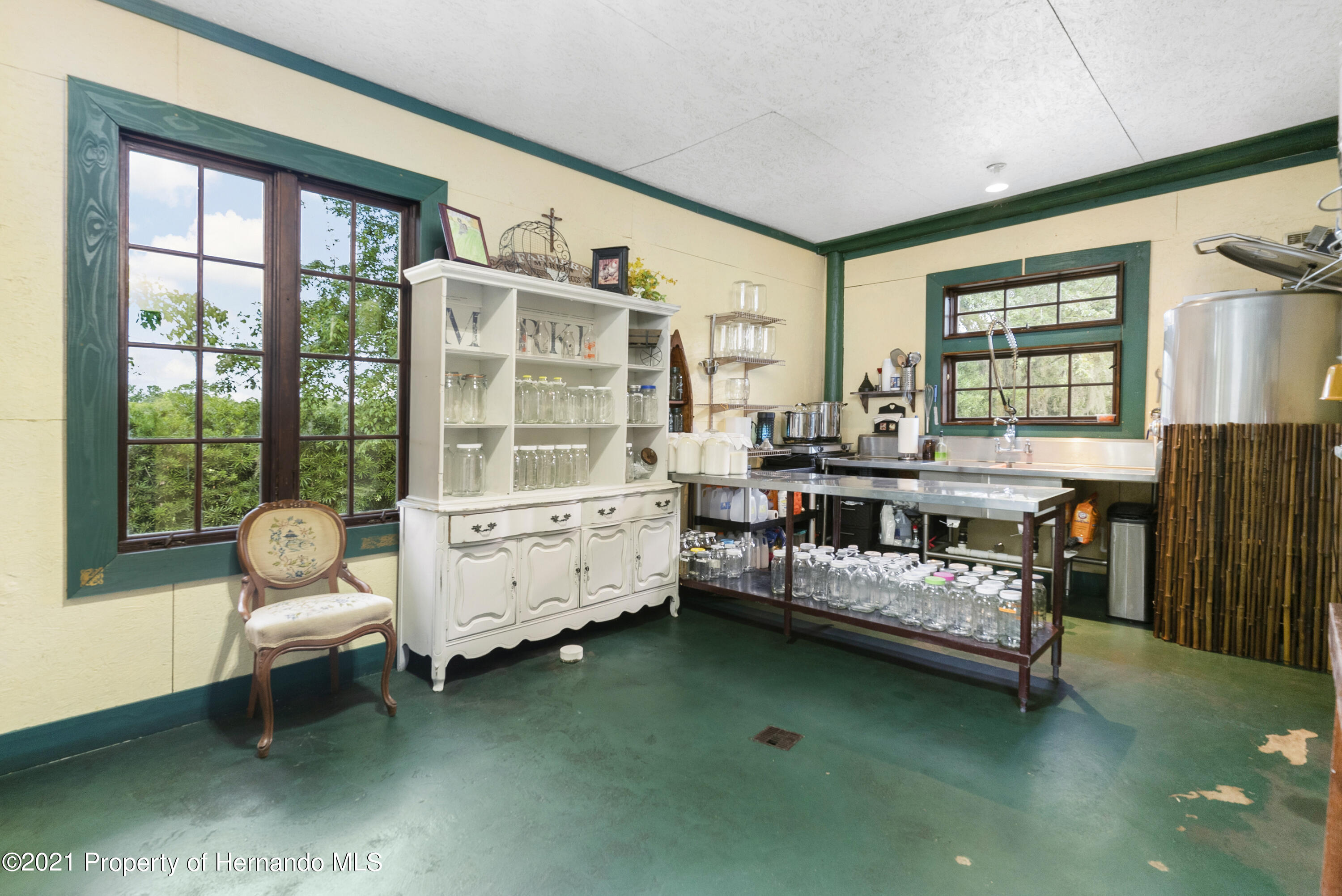 Listing photo id 4 for 2343 Gold Hill Road