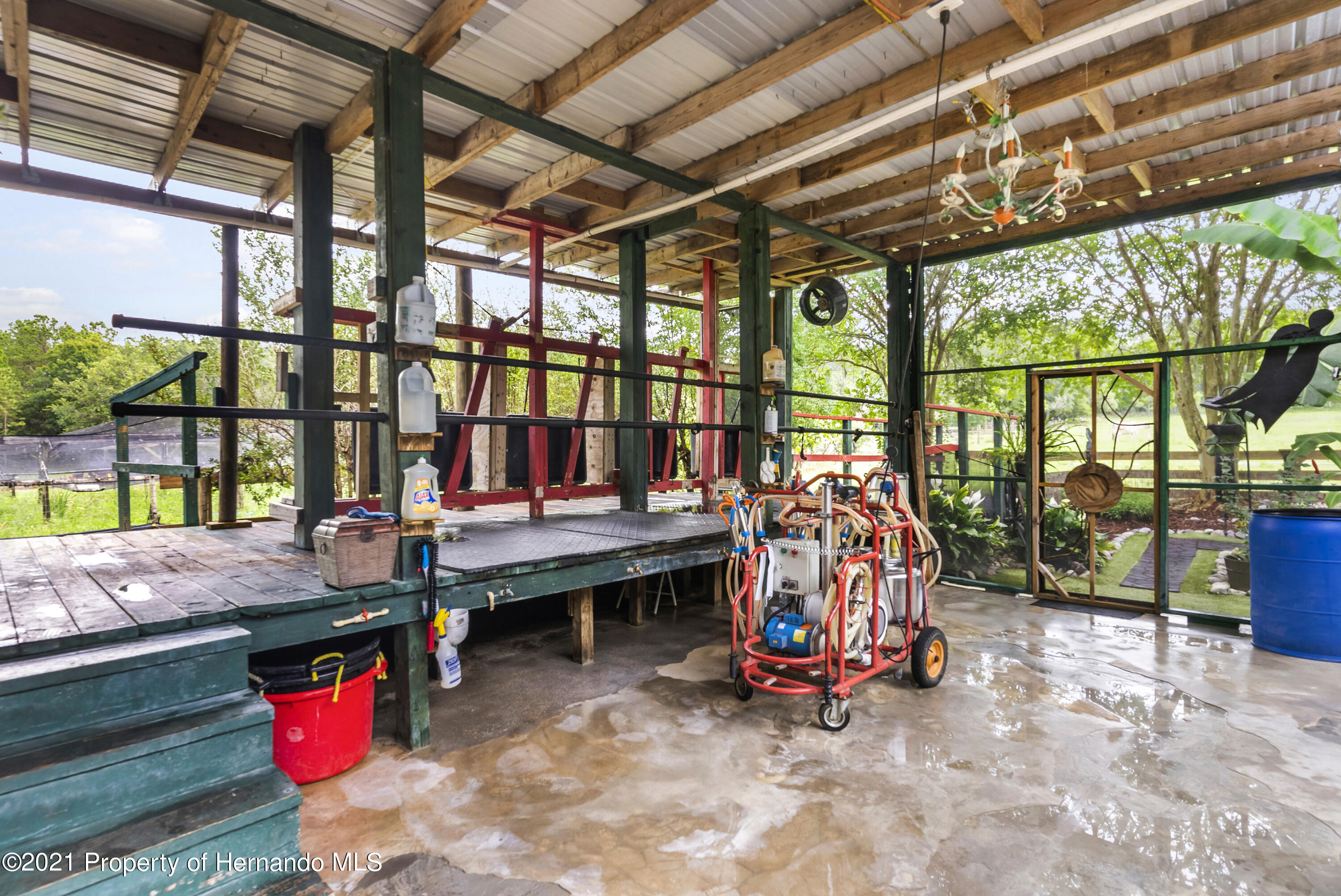Listing photo id 5 for 2343 Gold Hill Road