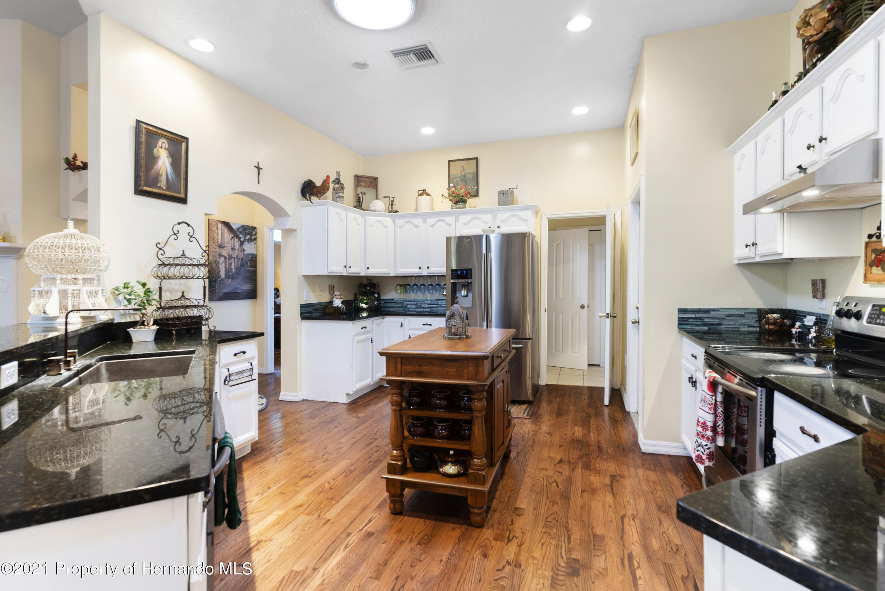 Listing photo id 9 for 2343 Gold Hill Road