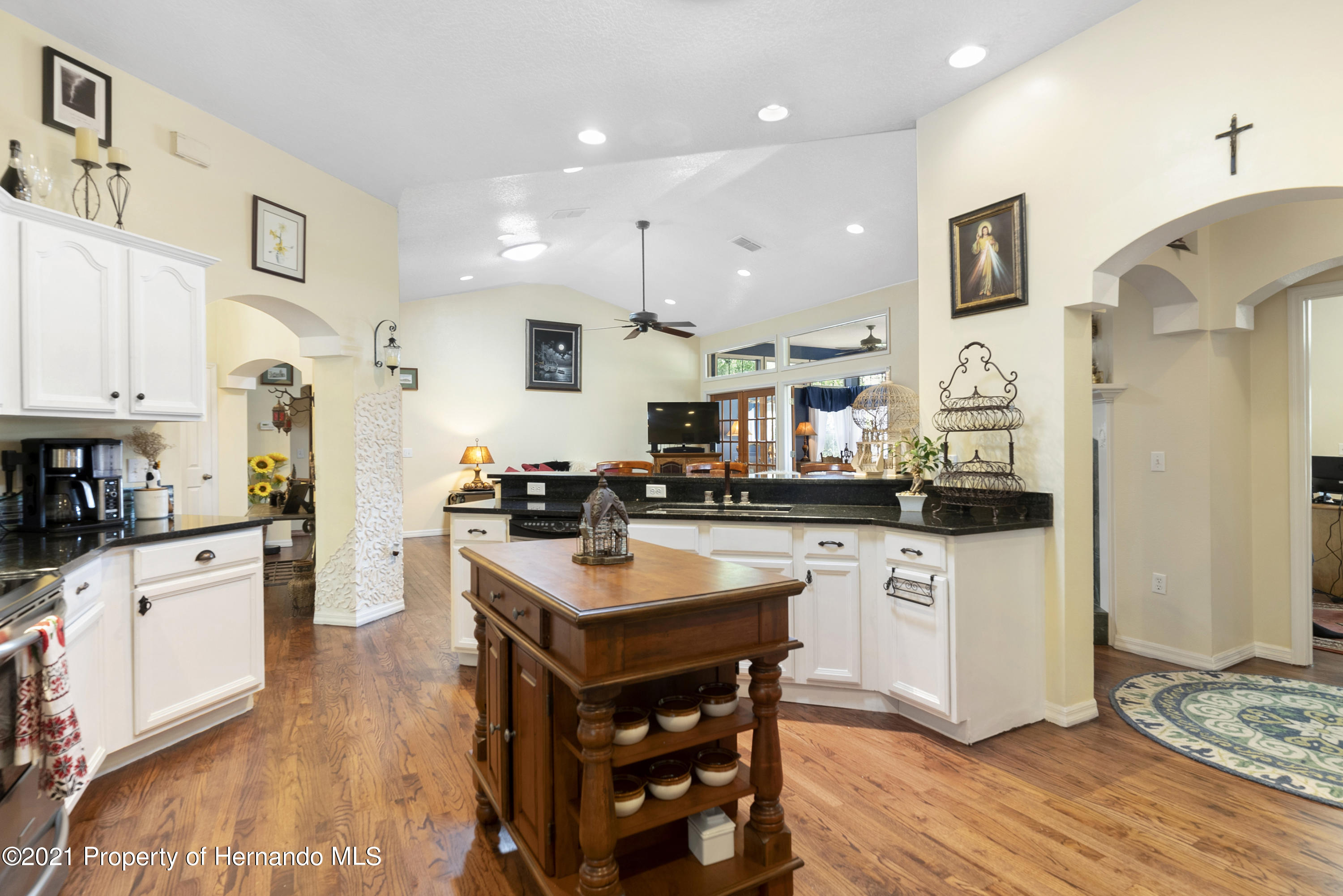 Listing photo id 10 for 2343 Gold Hill Road