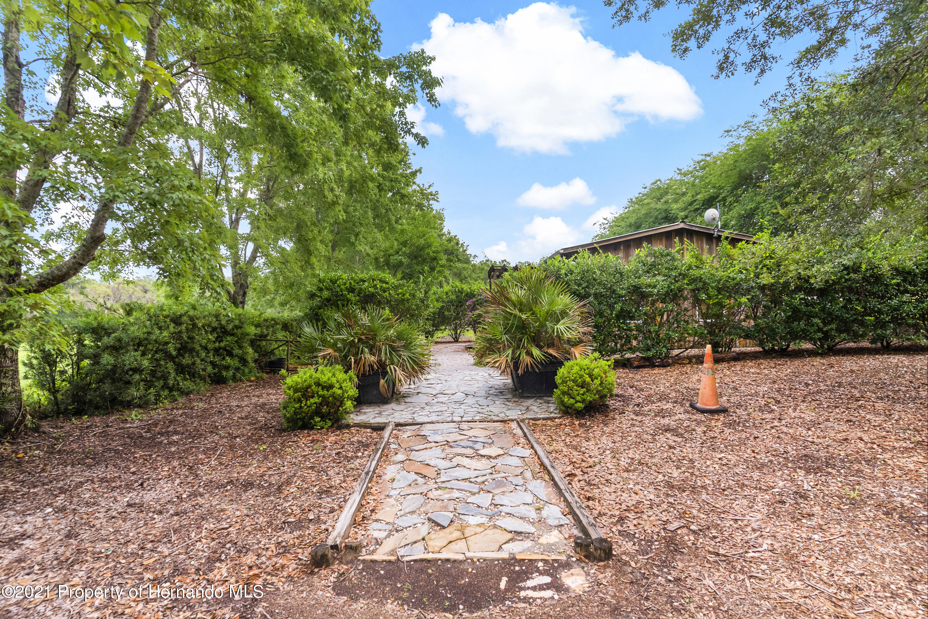 Listing photo id 47 for 2343 Gold Hill Road