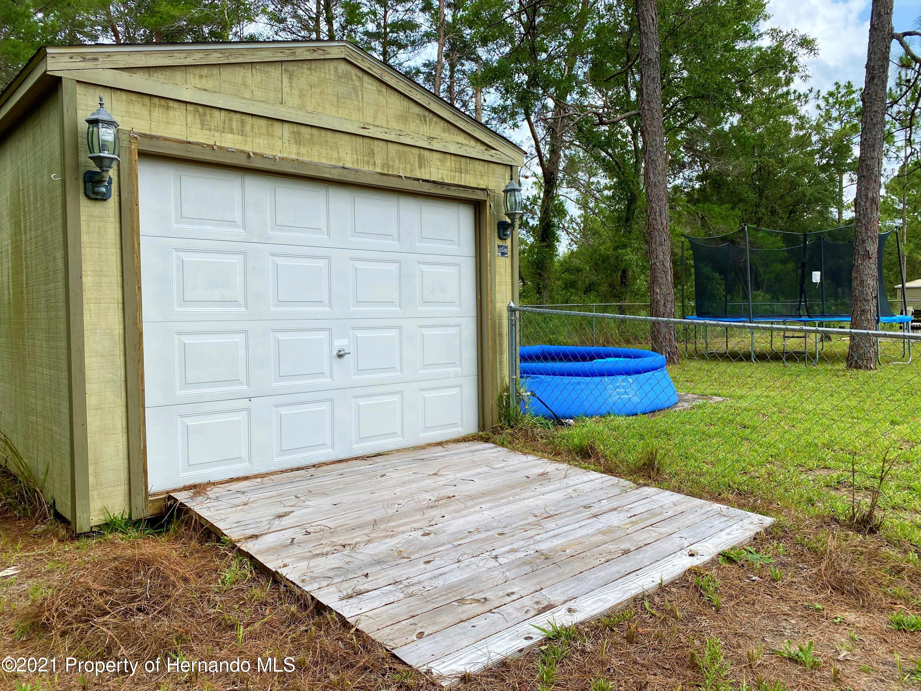Listing photo id 17 for 11024 Grass Finch Road