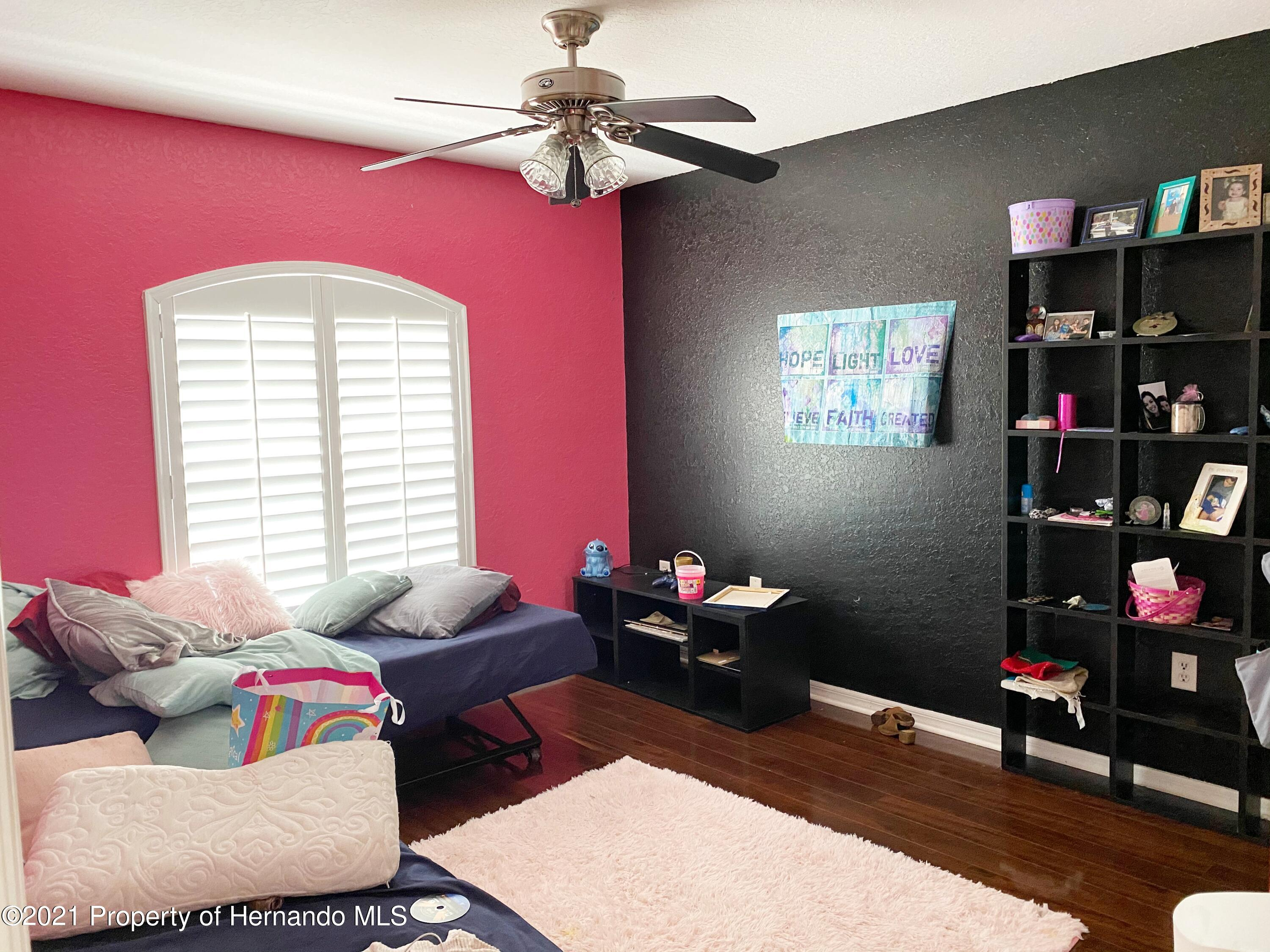 Listing photo id 10 for 11024 Grass Finch Road