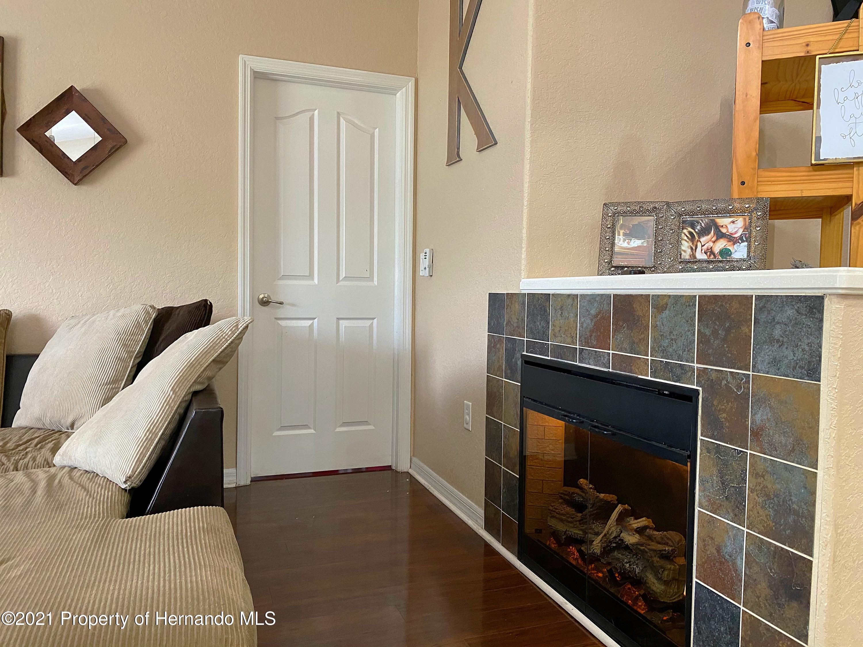 Listing photo id 4 for 11024 Grass Finch Road