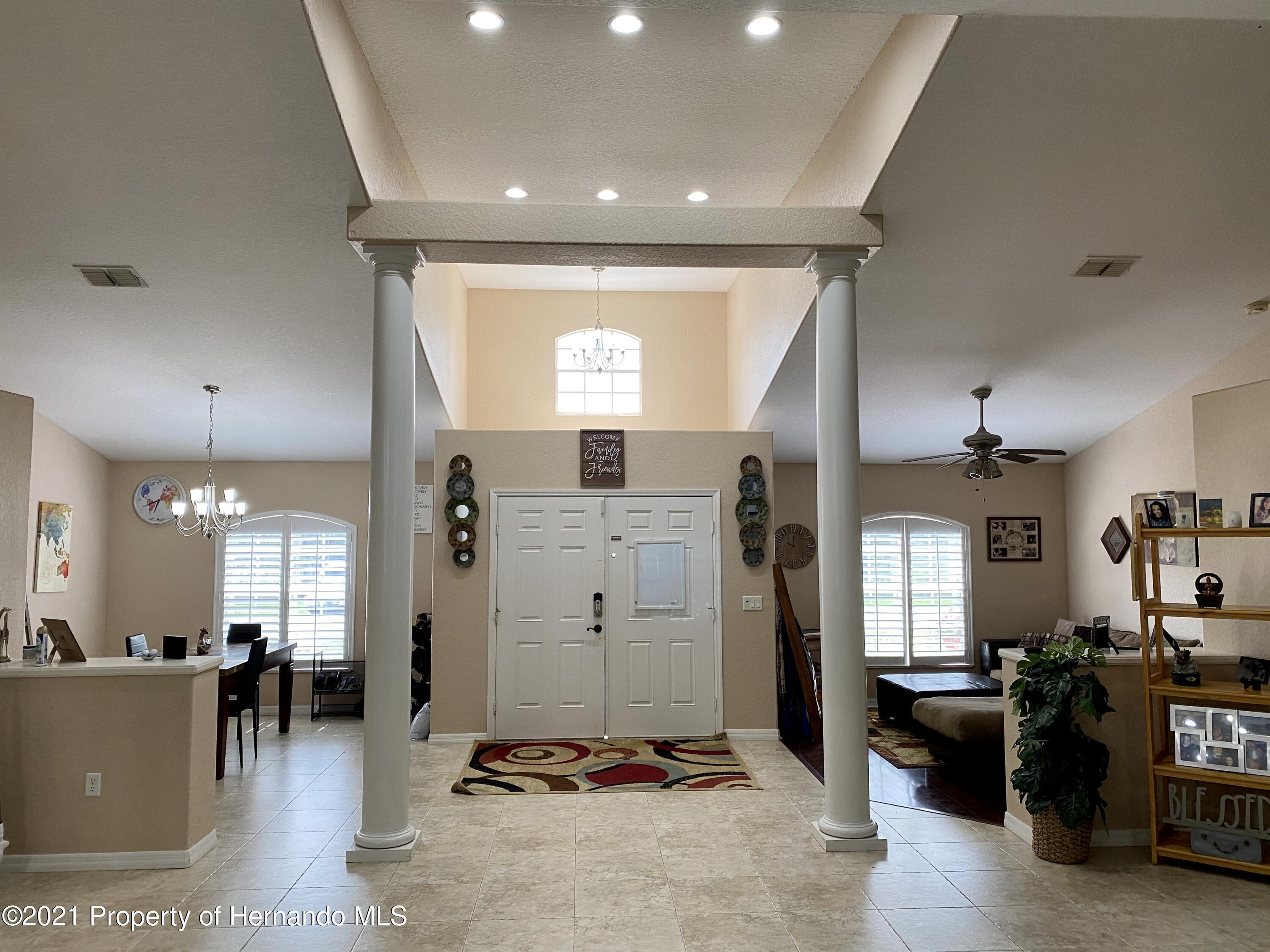 Listing photo id 2 for 11024 Grass Finch Road