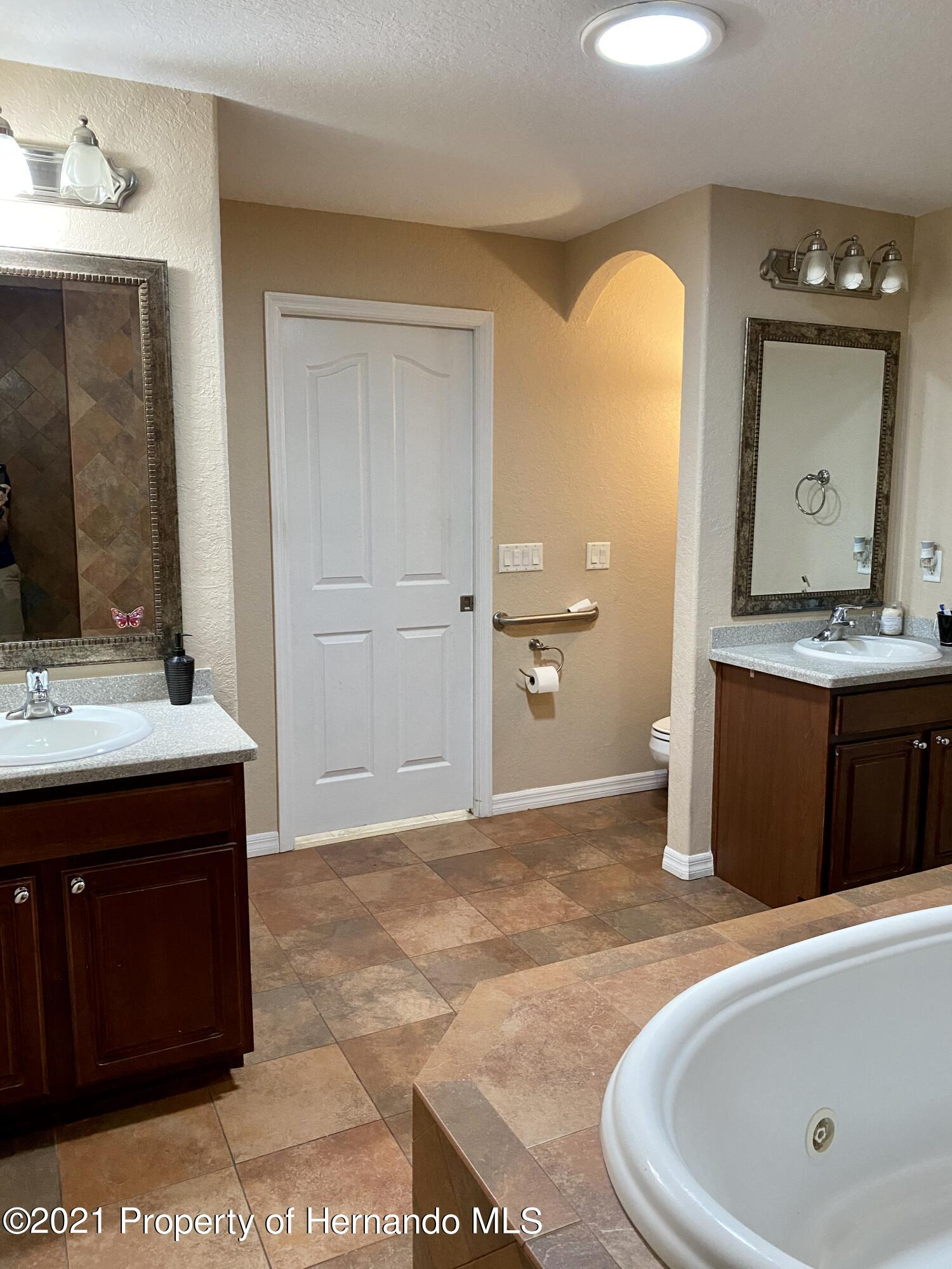 Listing photo id 11 for 11024 Grass Finch Road