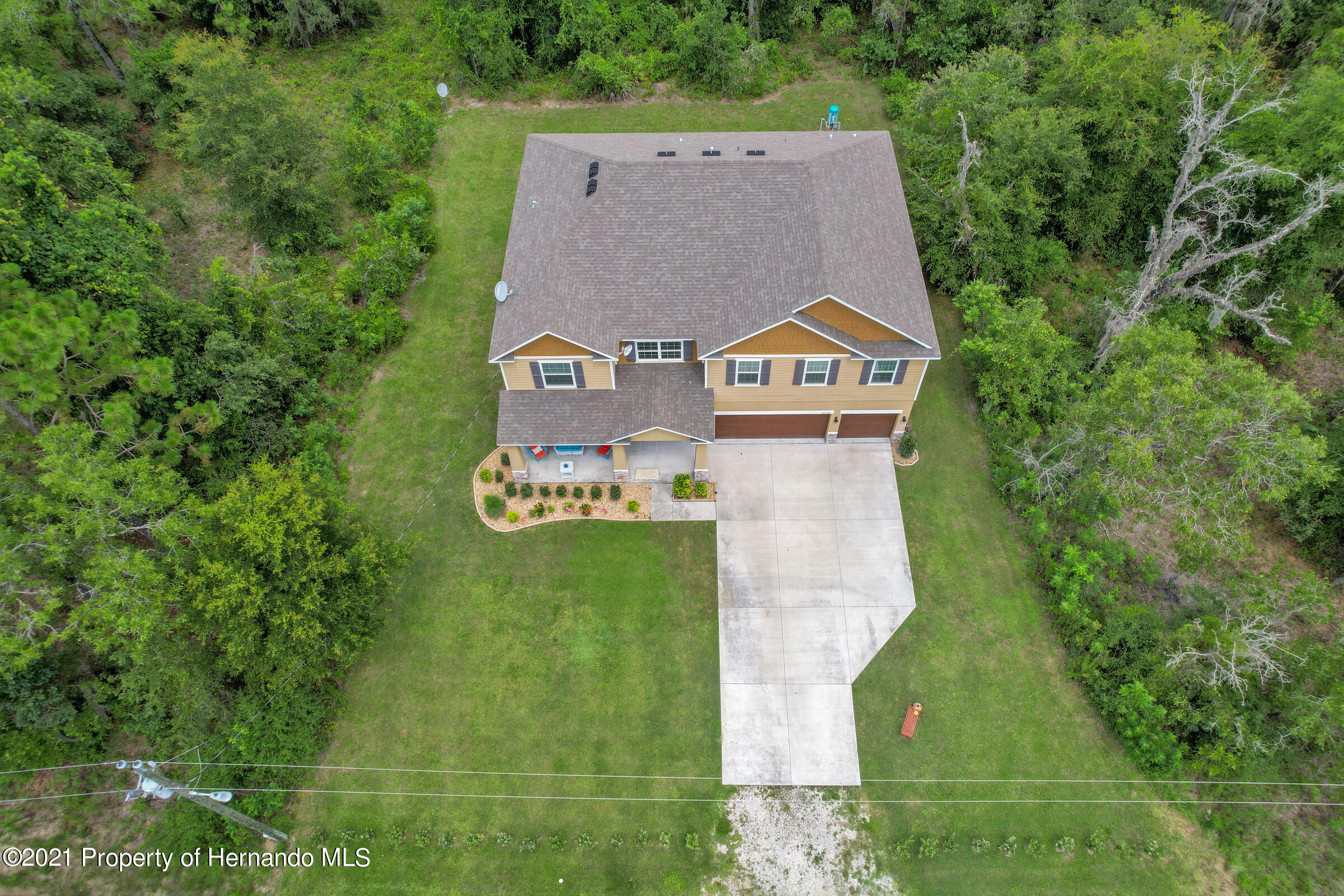 Listing photo id 4 for 16124 Cave Swallow Road