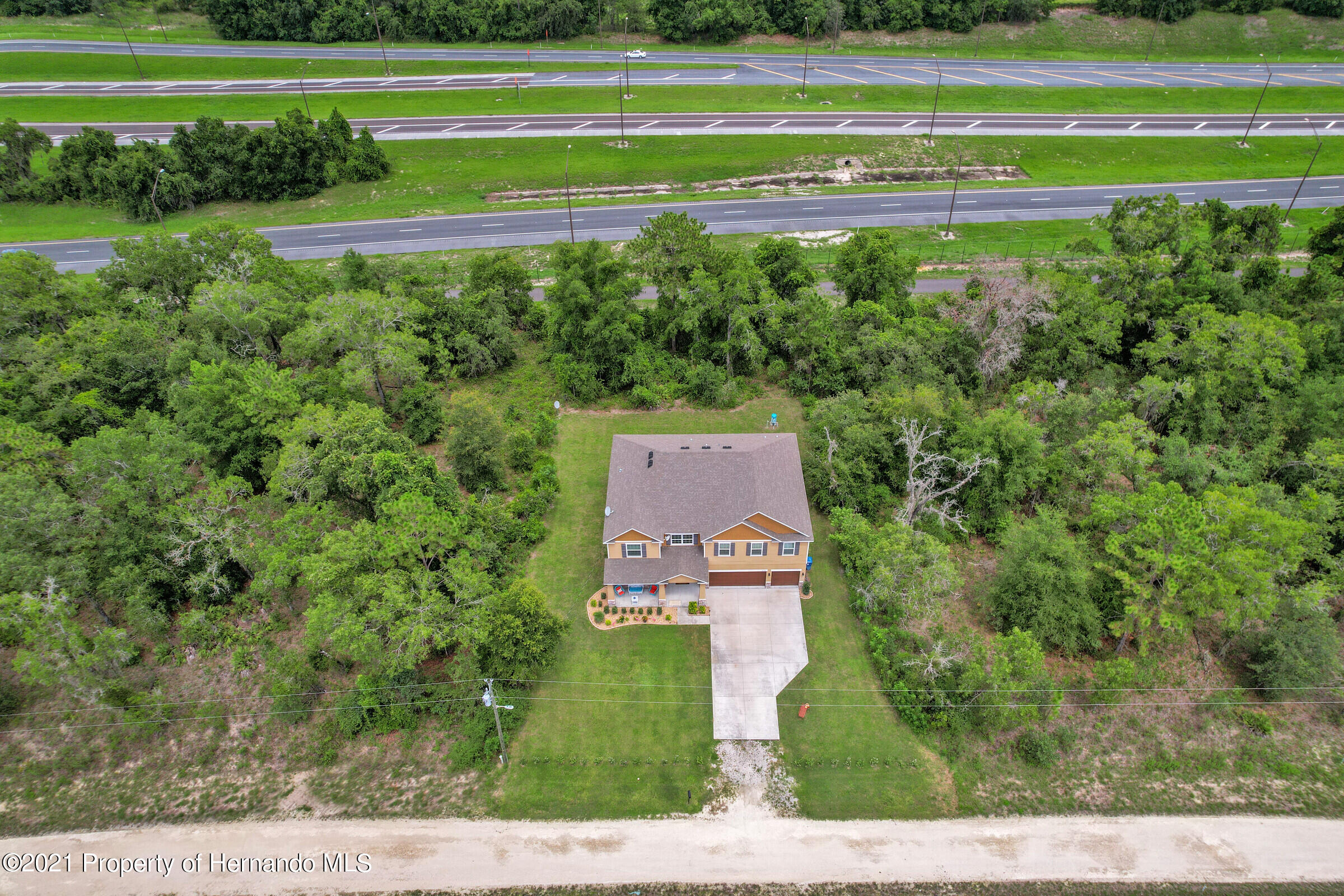 Listing photo id 5 for 16124 Cave Swallow Road