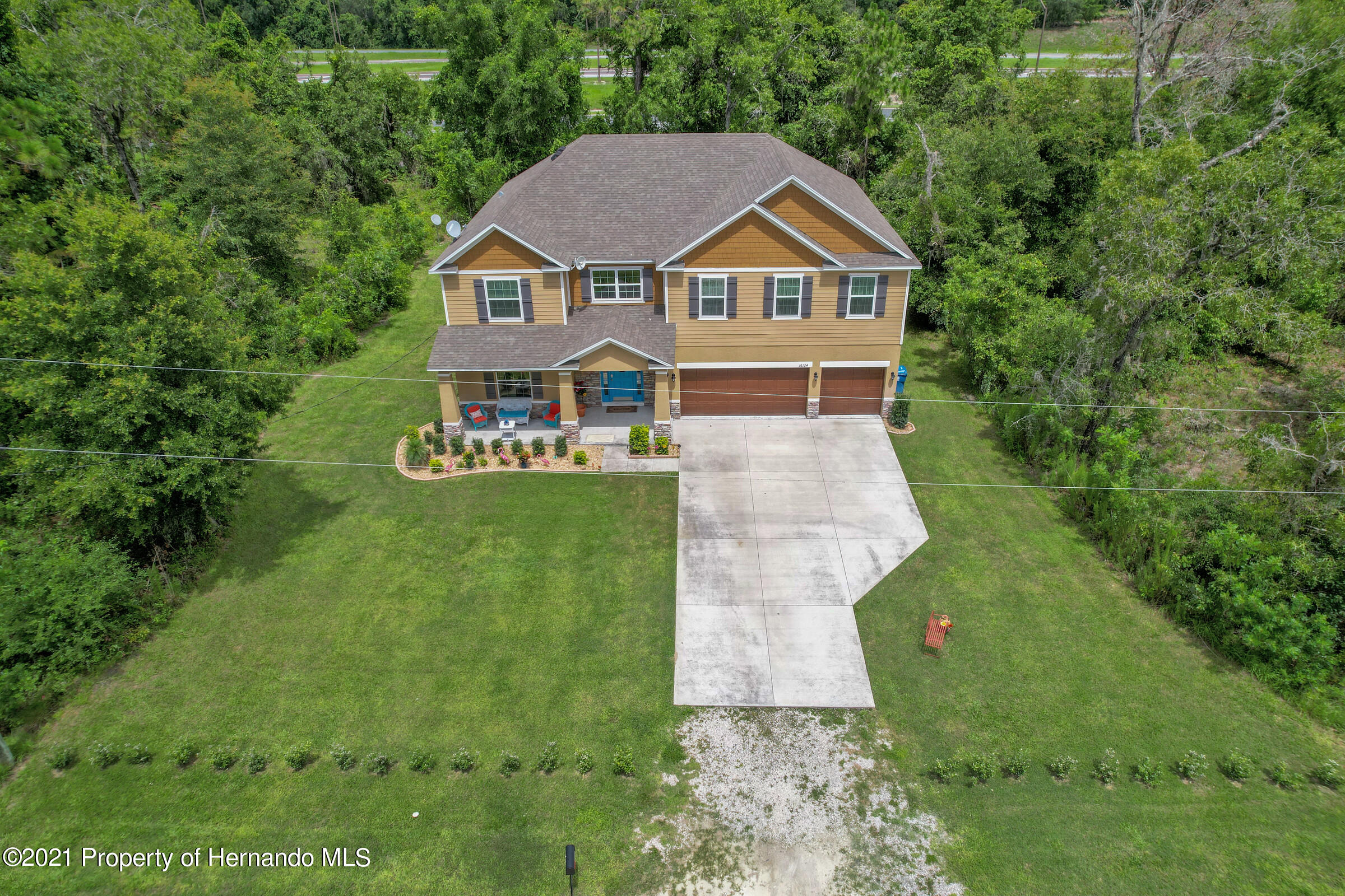 Listing photo id 6 for 16124 Cave Swallow Road