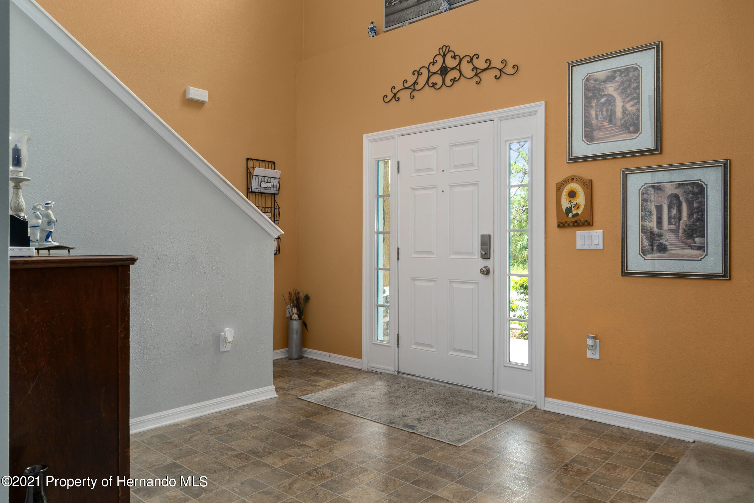 Listing photo id 8 for 16124 Cave Swallow Road