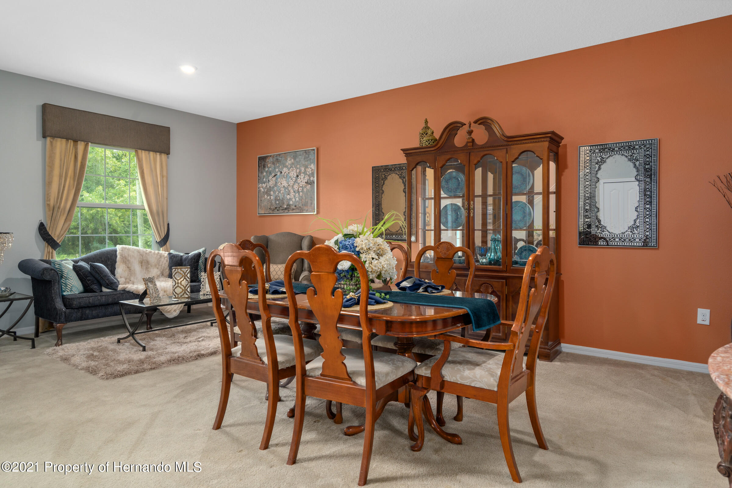 Listing photo id 9 for 16124 Cave Swallow Road