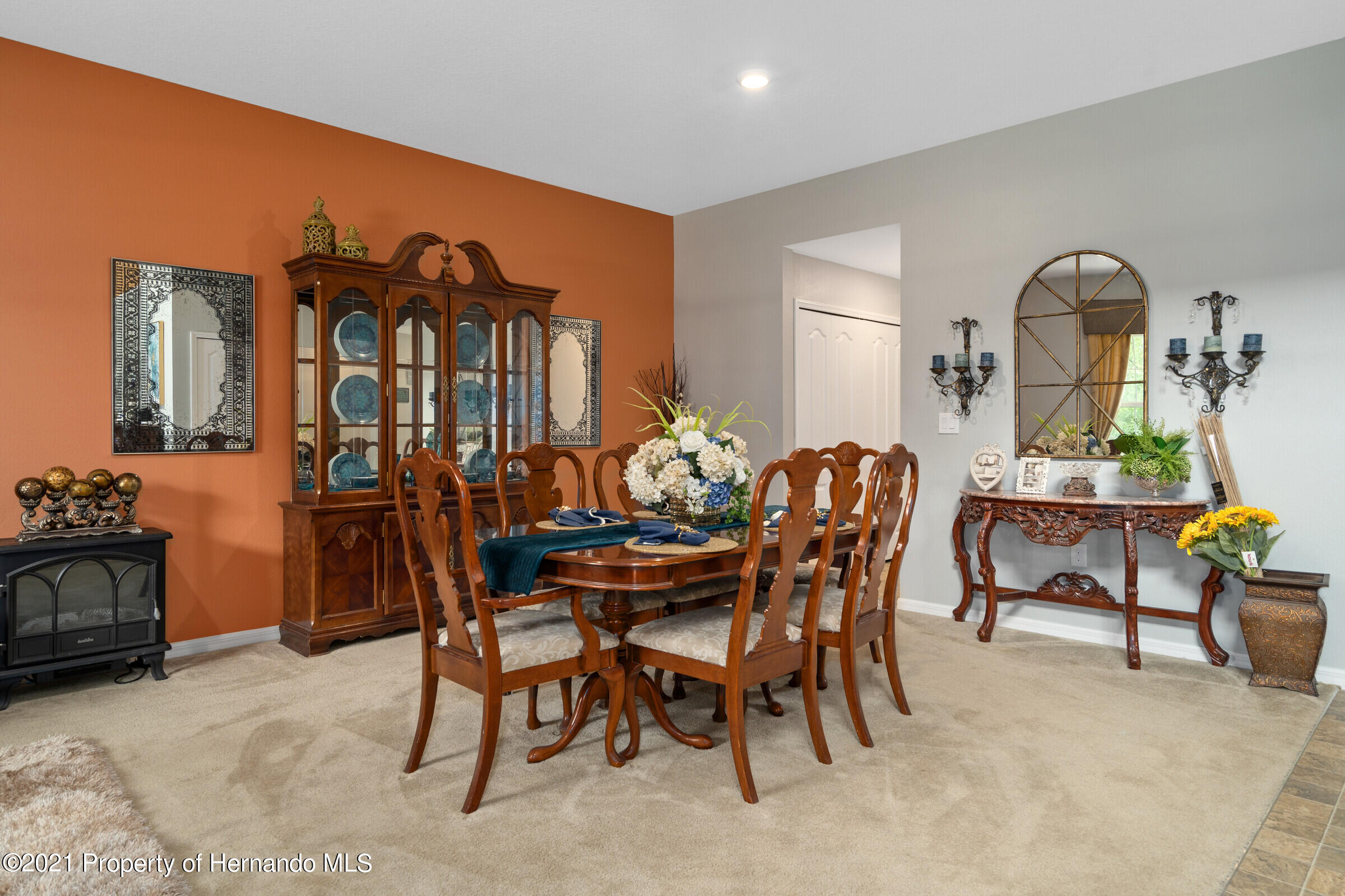 Listing photo id 10 for 16124 Cave Swallow Road