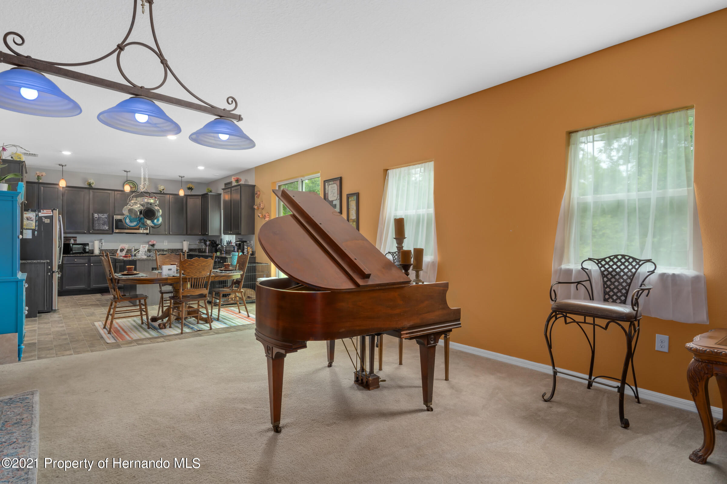 Listing photo id 14 for 16124 Cave Swallow Road