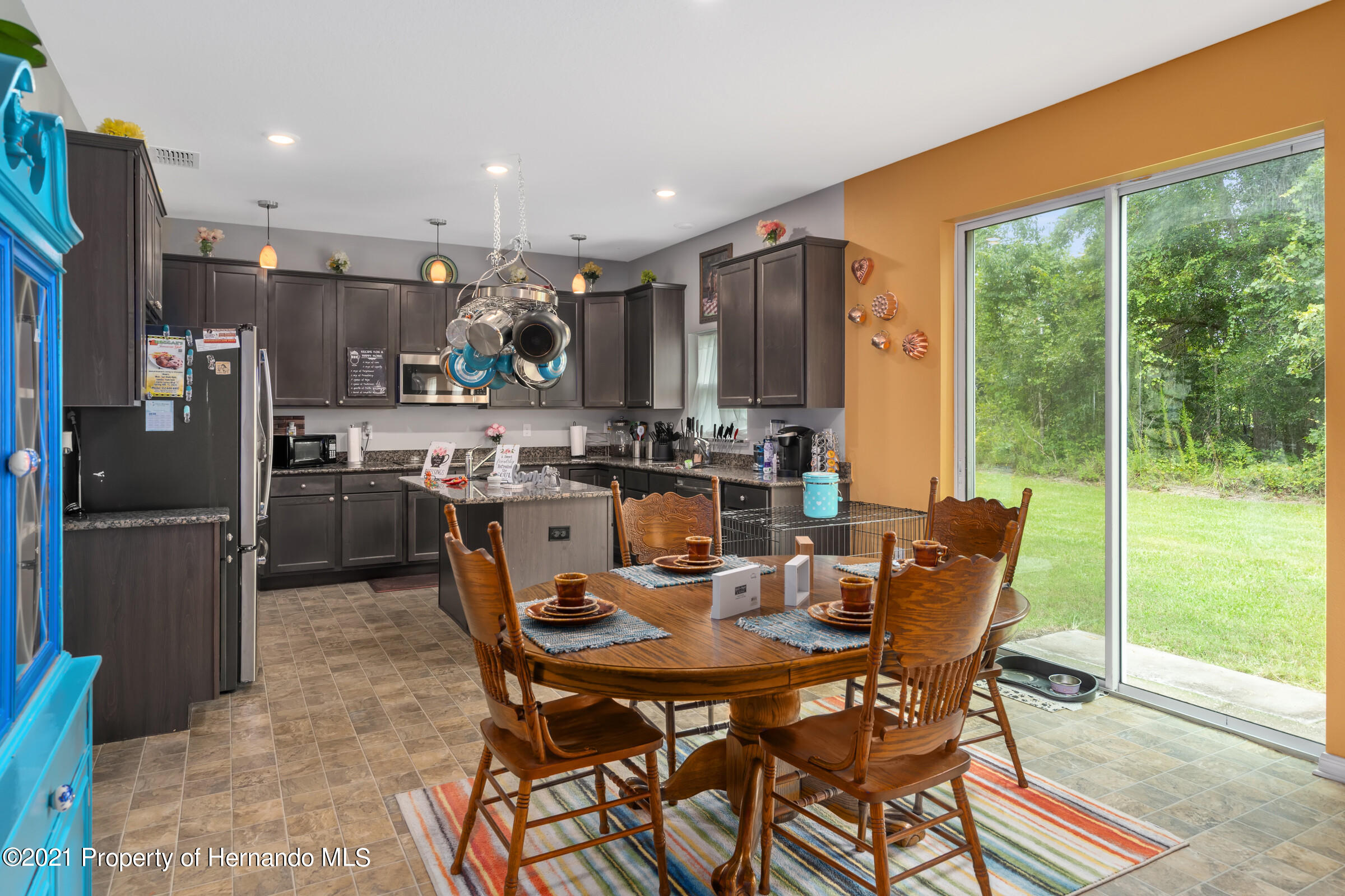 Listing photo id 15 for 16124 Cave Swallow Road