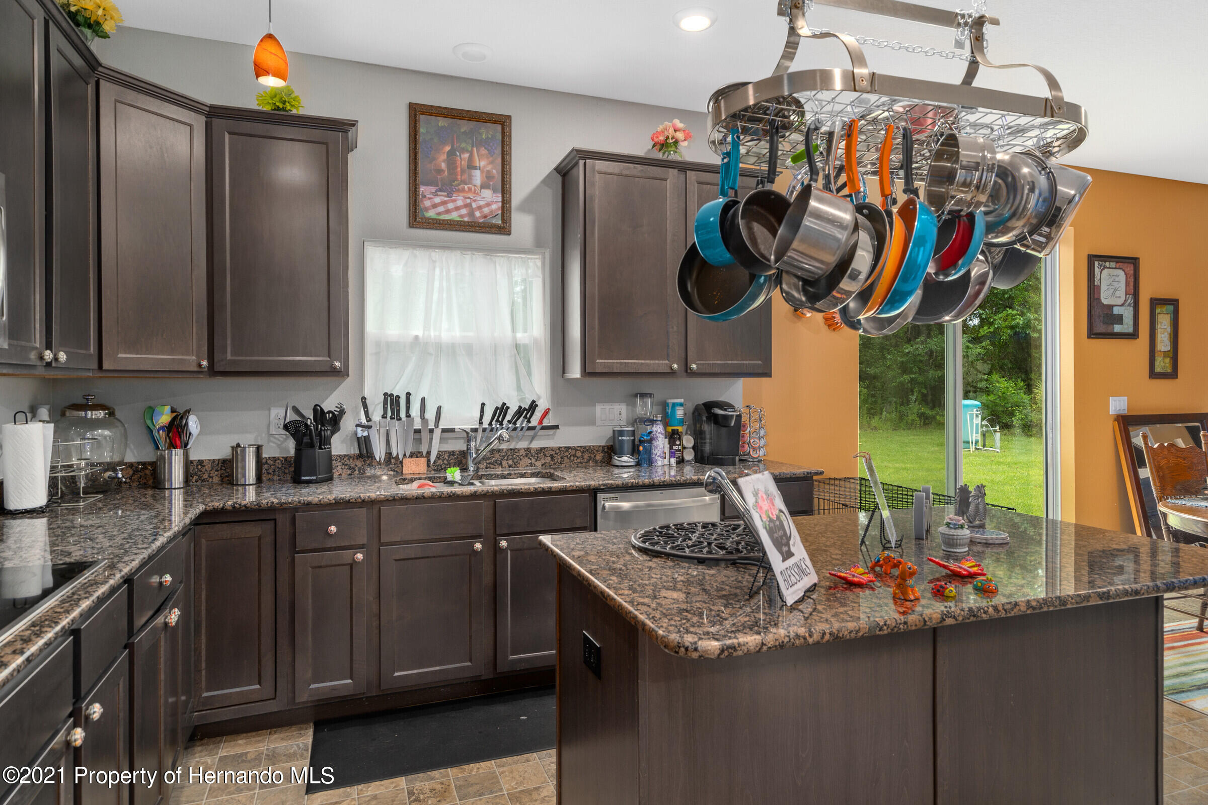 Listing photo id 18 for 16124 Cave Swallow Road