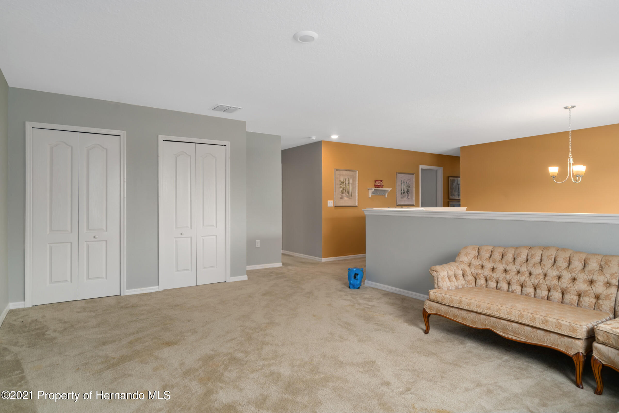 Listing photo id 27 for 16124 Cave Swallow Road