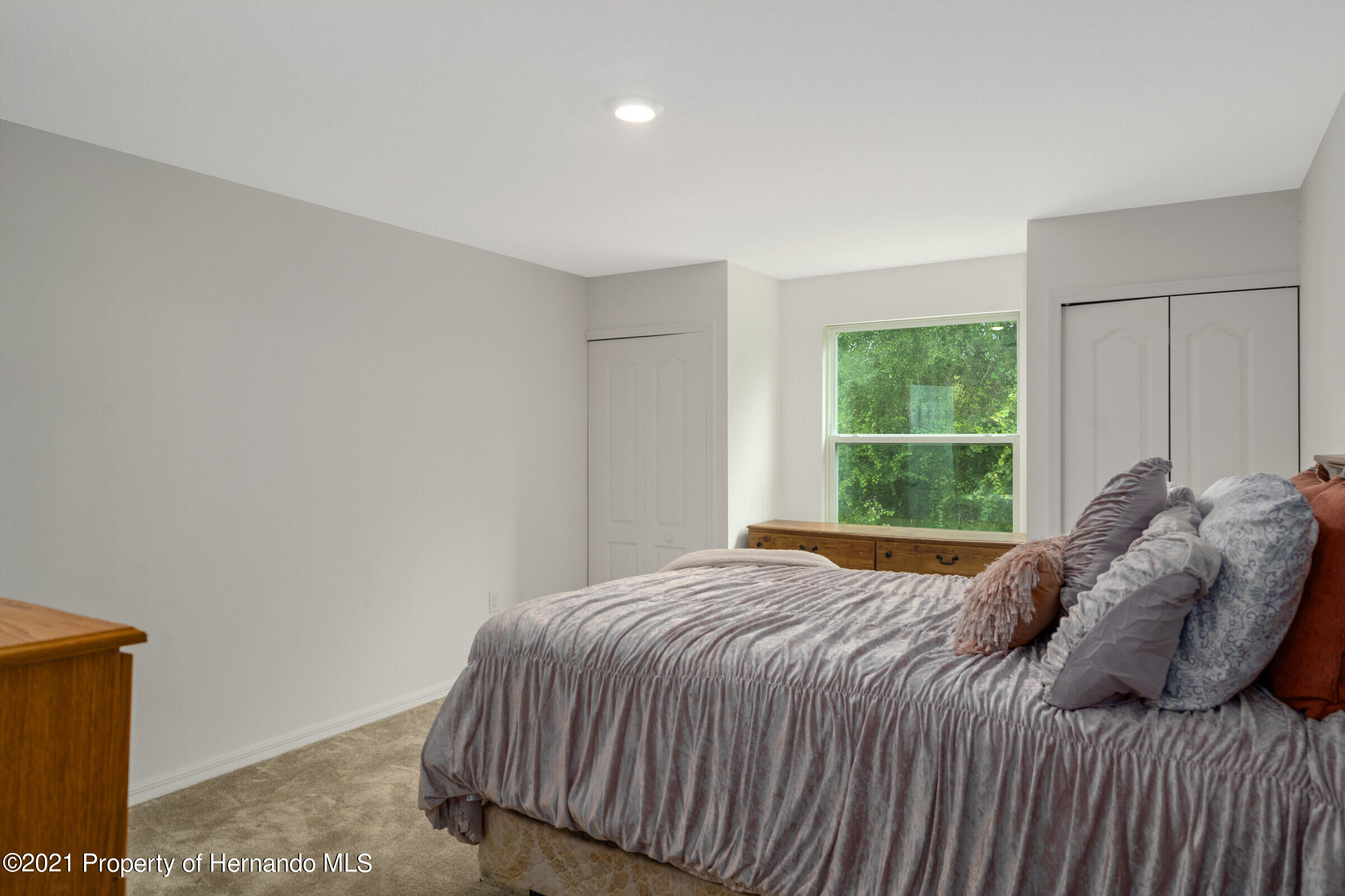 Listing photo id 28 for 16124 Cave Swallow Road