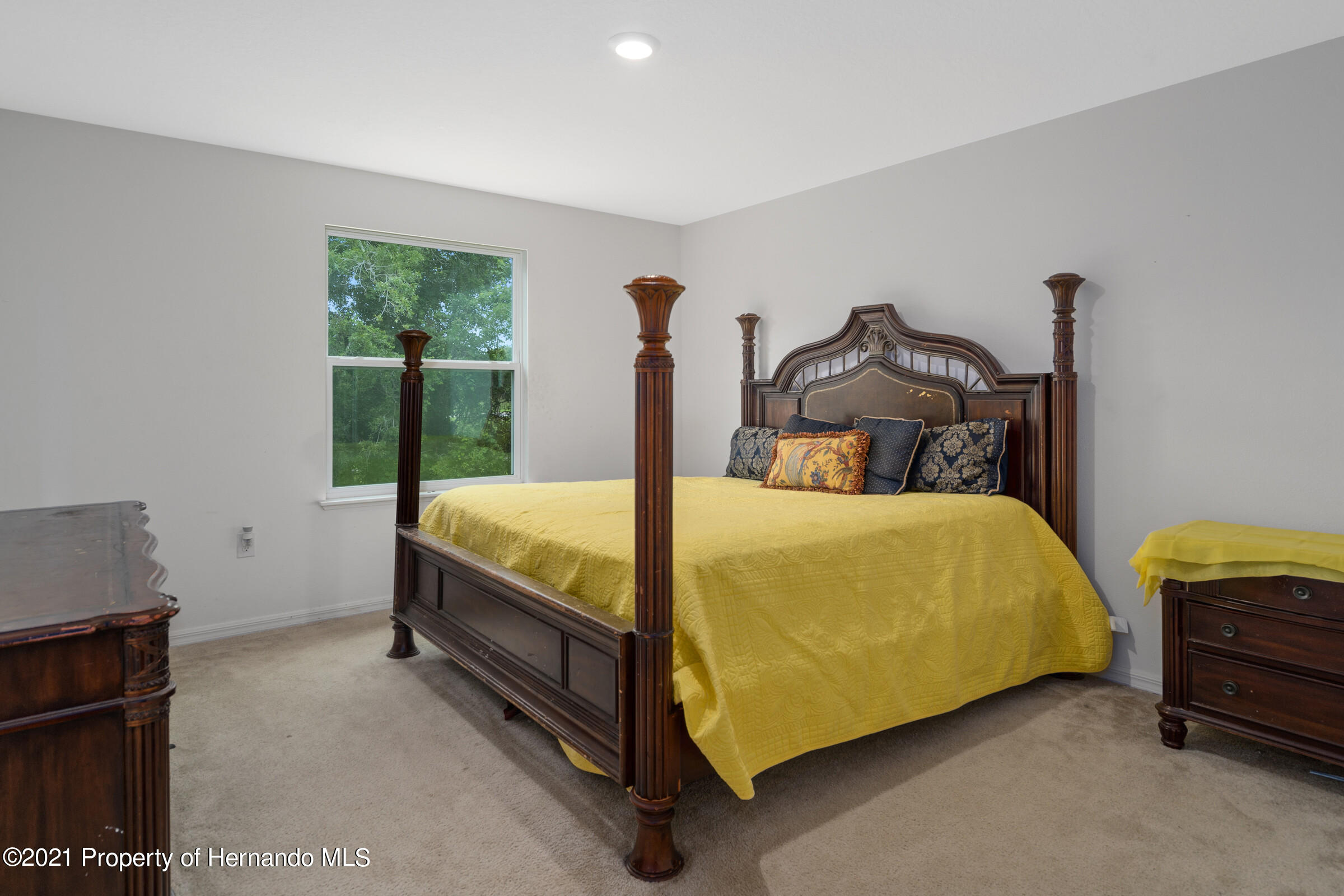 Listing photo id 34 for 16124 Cave Swallow Road