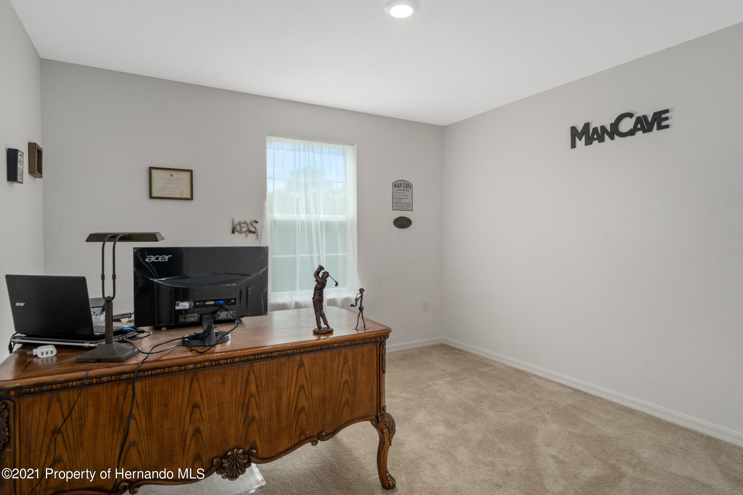 Listing photo id 36 for 16124 Cave Swallow Road