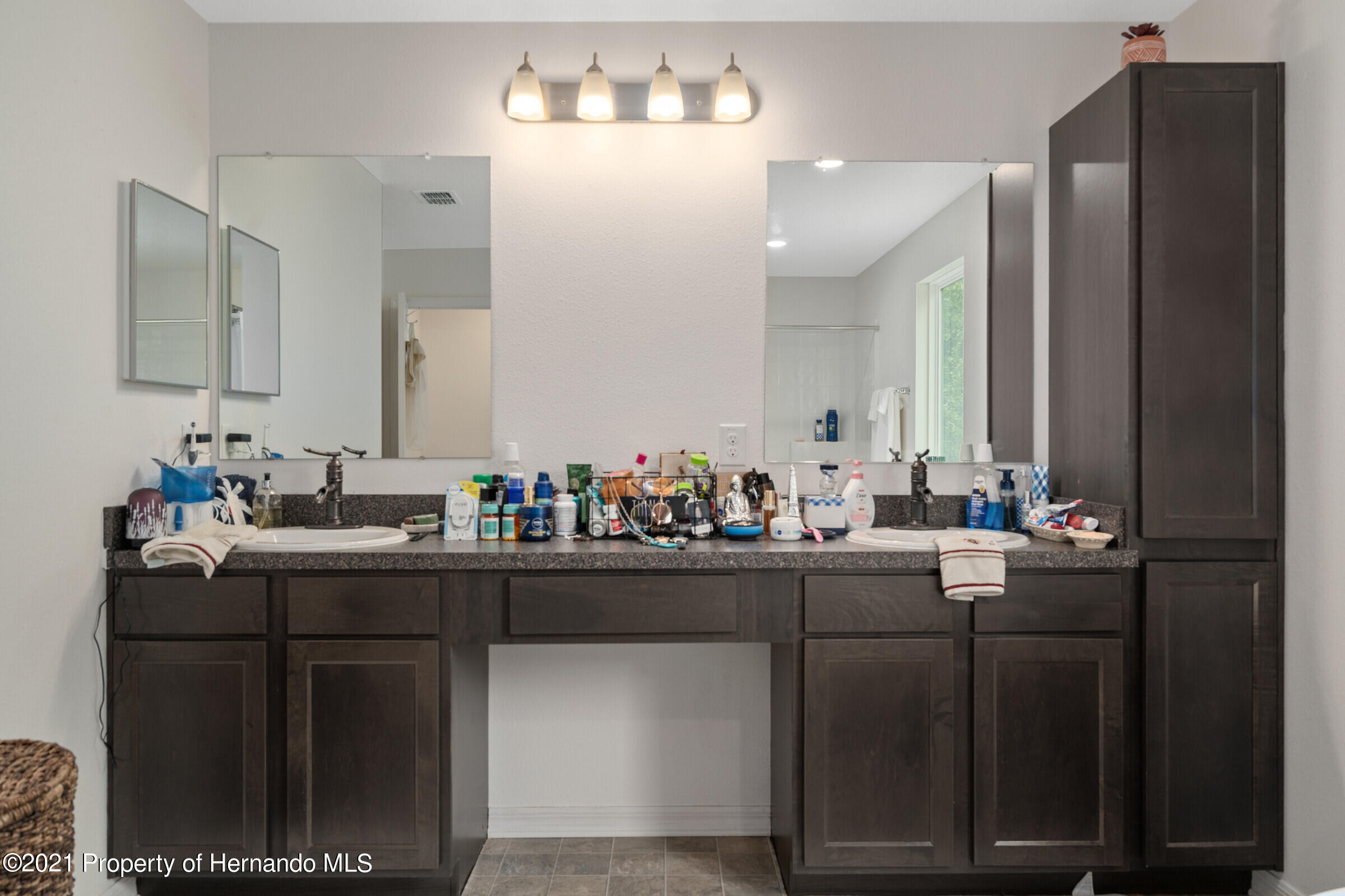 Listing photo id 42 for 16124 Cave Swallow Road