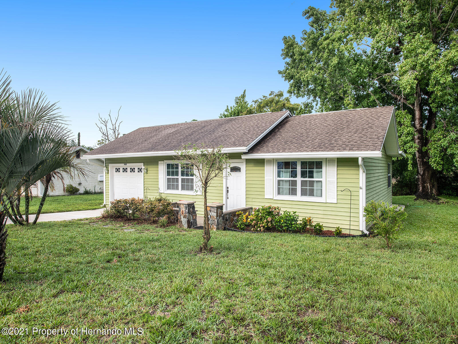 Listing photo id 2 for 7425 Galloway Road