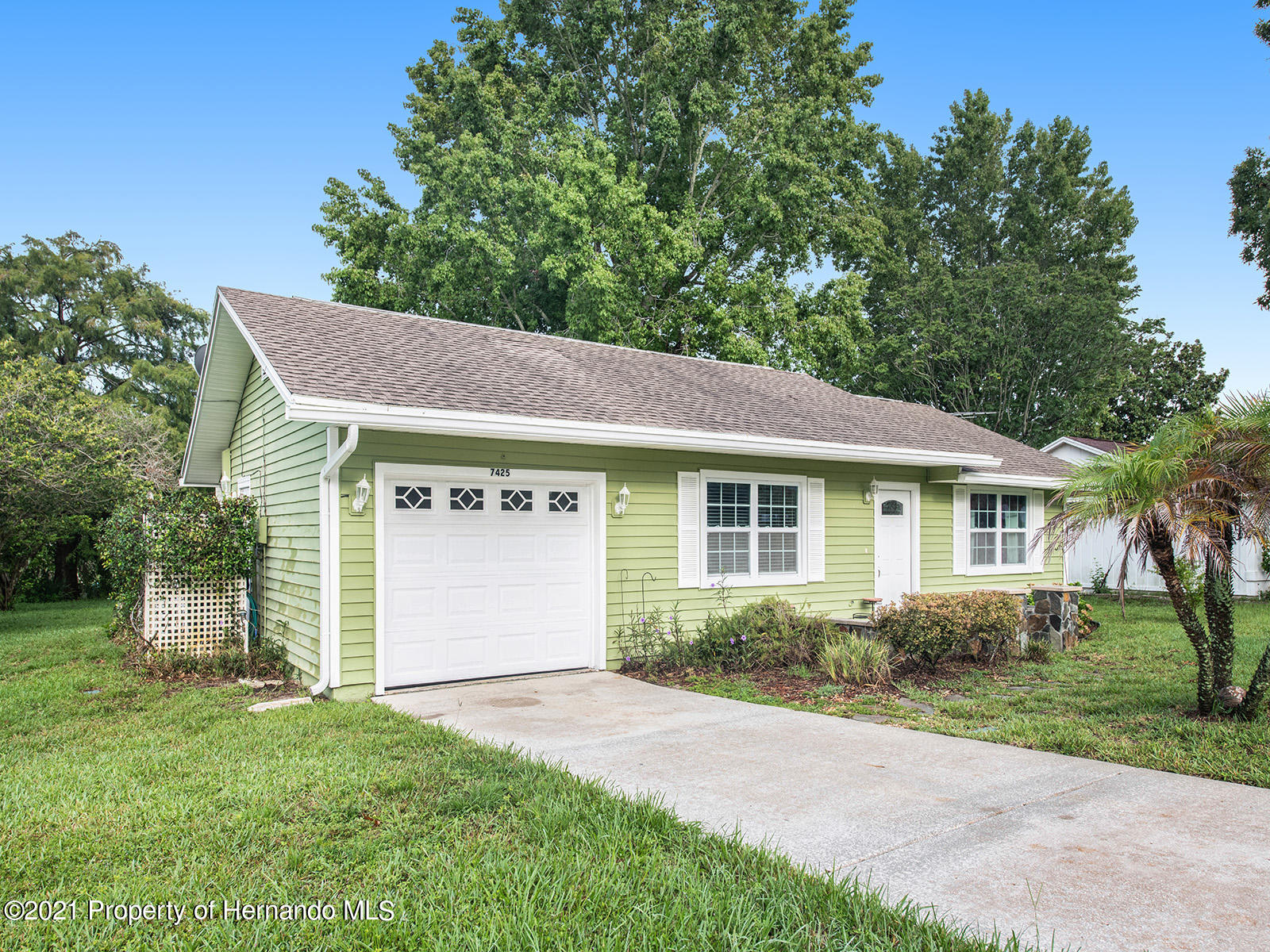 Listing photo id 3 for 7425 Galloway Road
