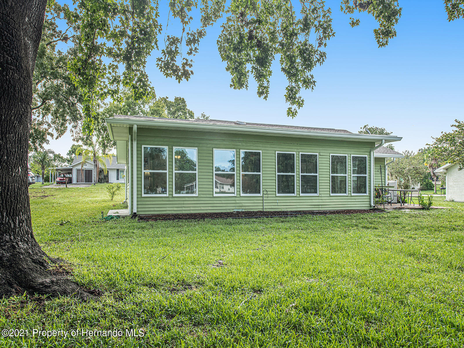 Listing photo id 7 for 7425 Galloway Road