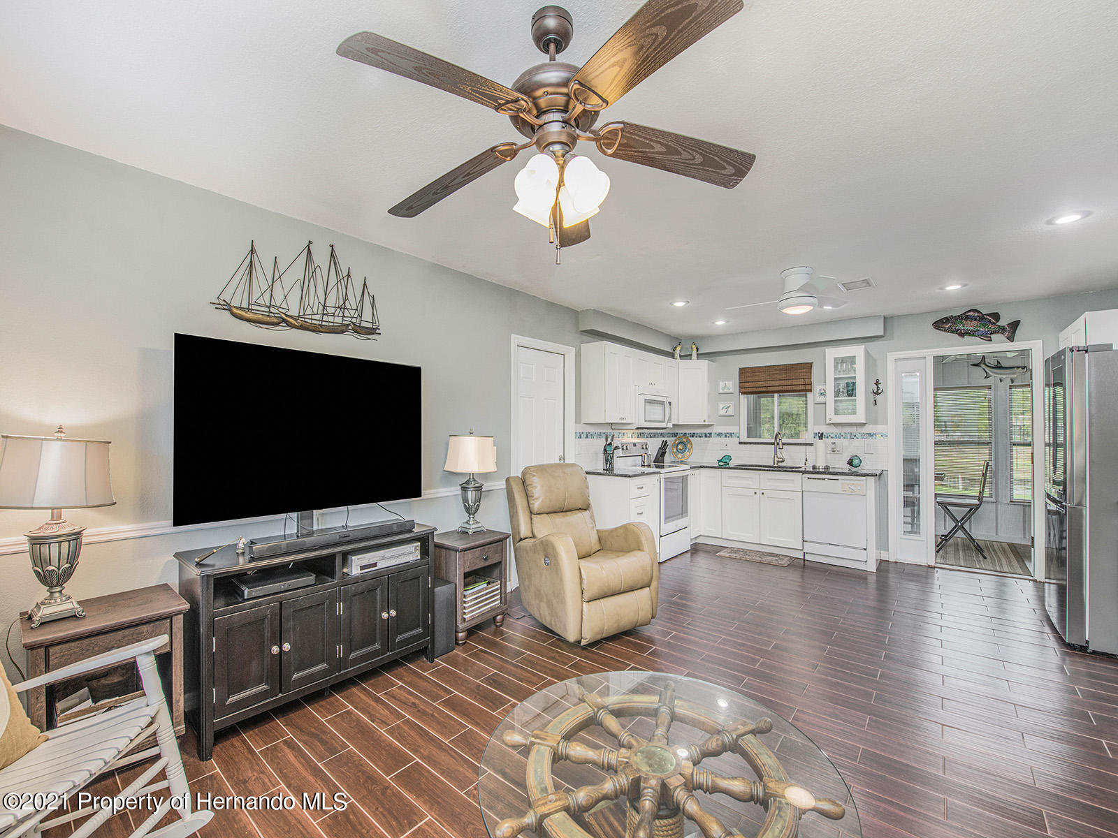 Listing photo id 10 for 7425 Galloway Road