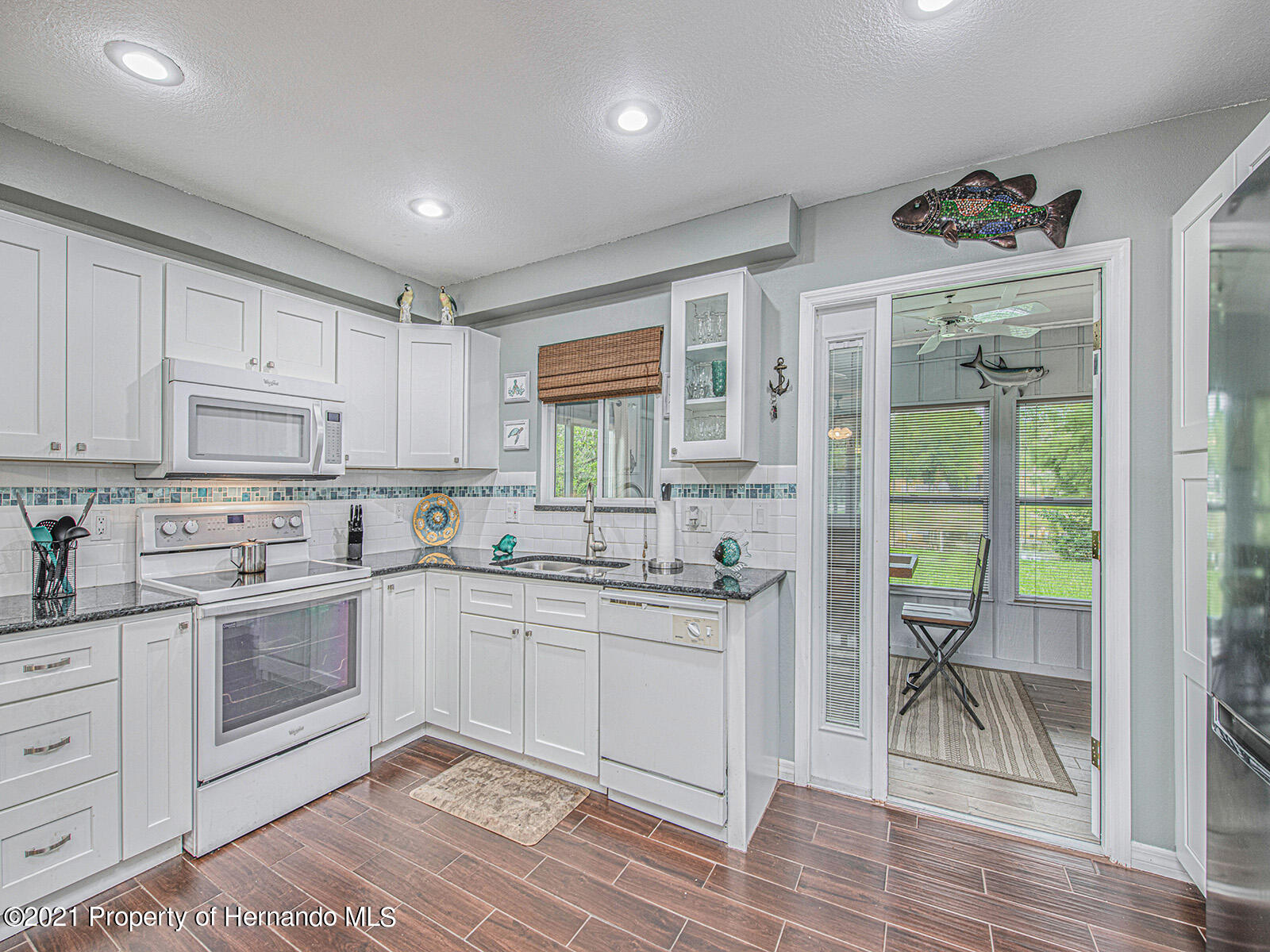 Listing photo id 12 for 7425 Galloway Road
