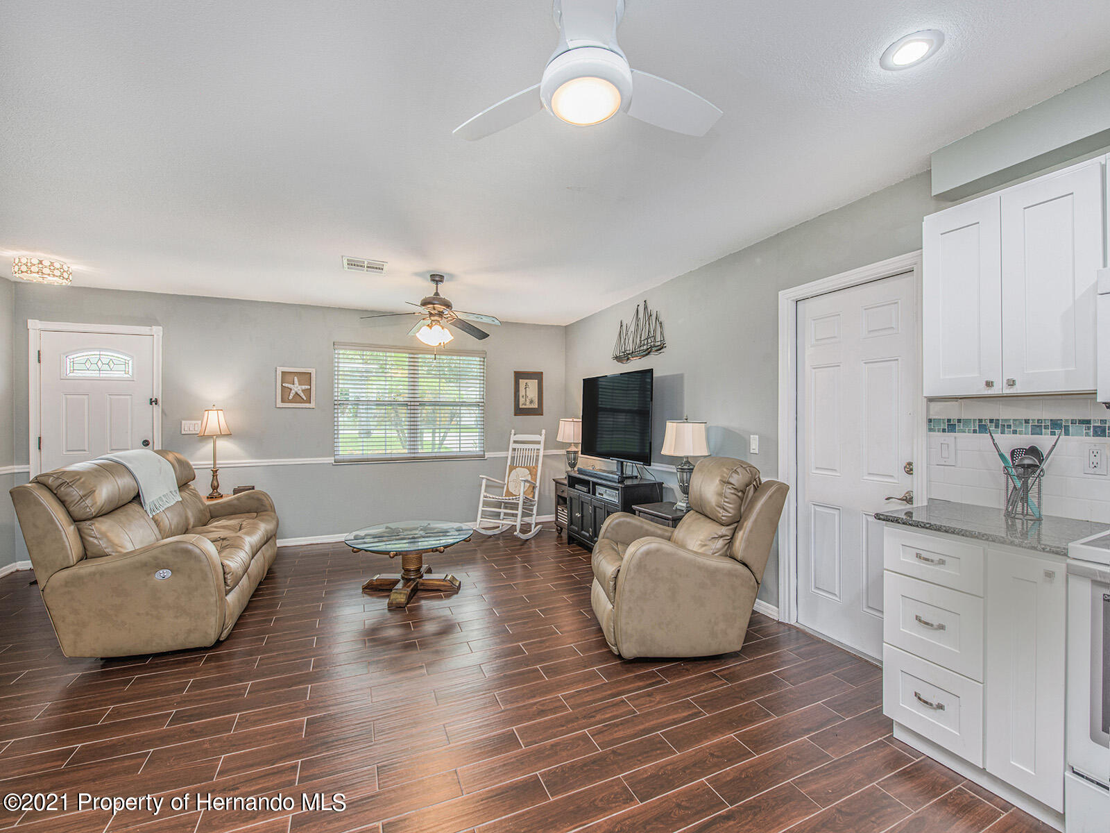 Listing photo id 13 for 7425 Galloway Road