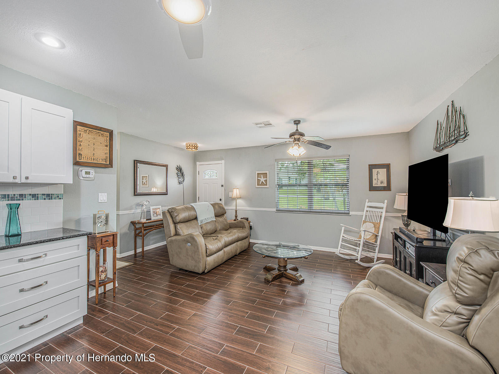 Listing photo id 14 for 7425 Galloway Road