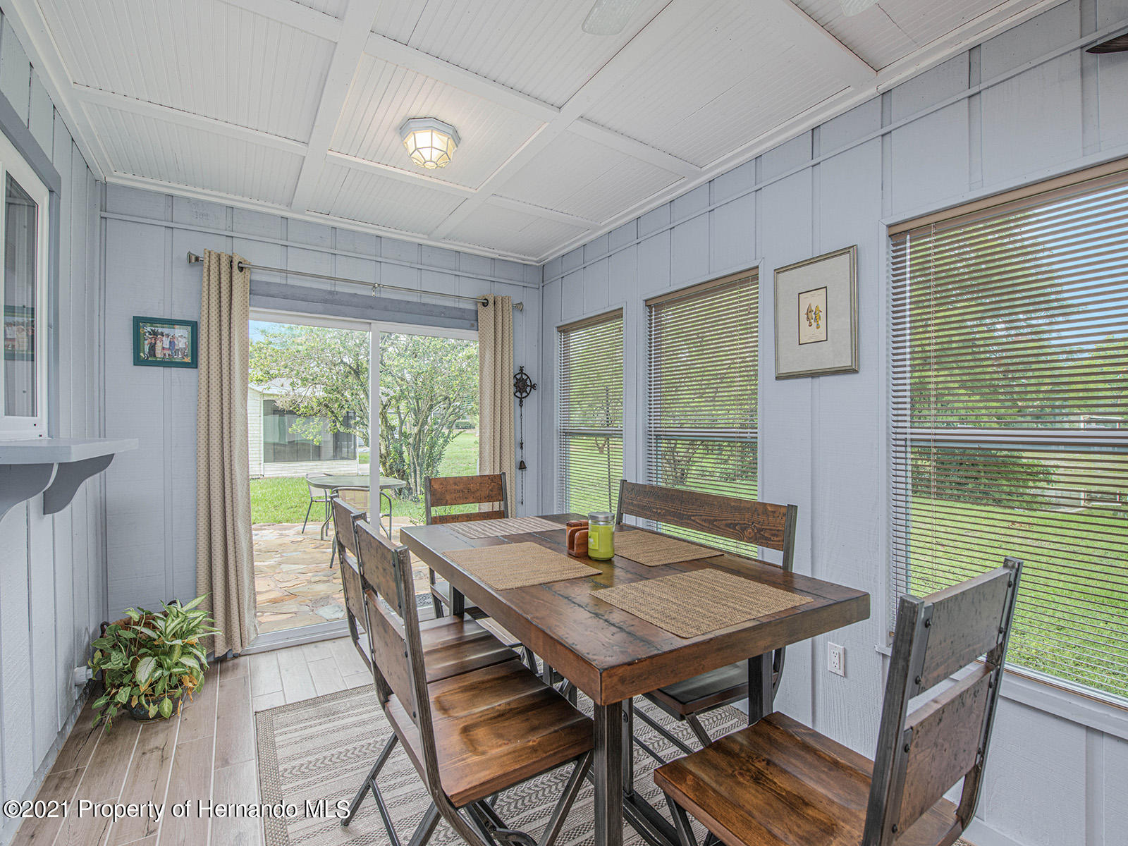 Listing photo id 24 for 7425 Galloway Road