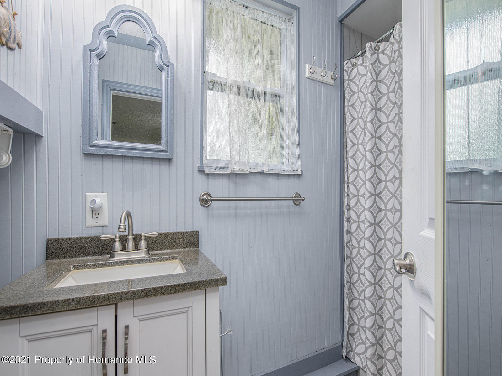 Listing photo id 25 for 7425 Galloway Road
