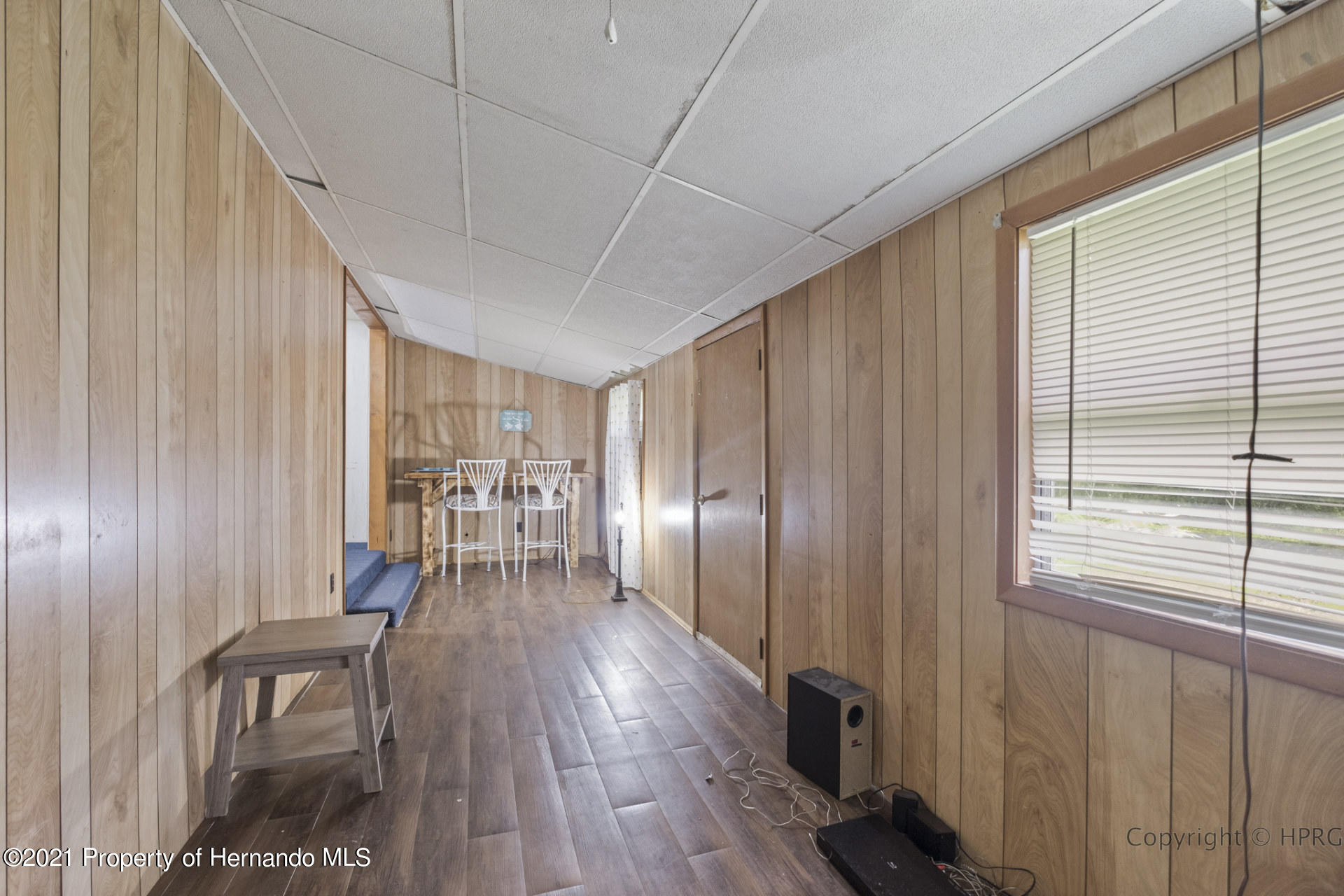 Listing photo id 3 for 7071 Lang Street