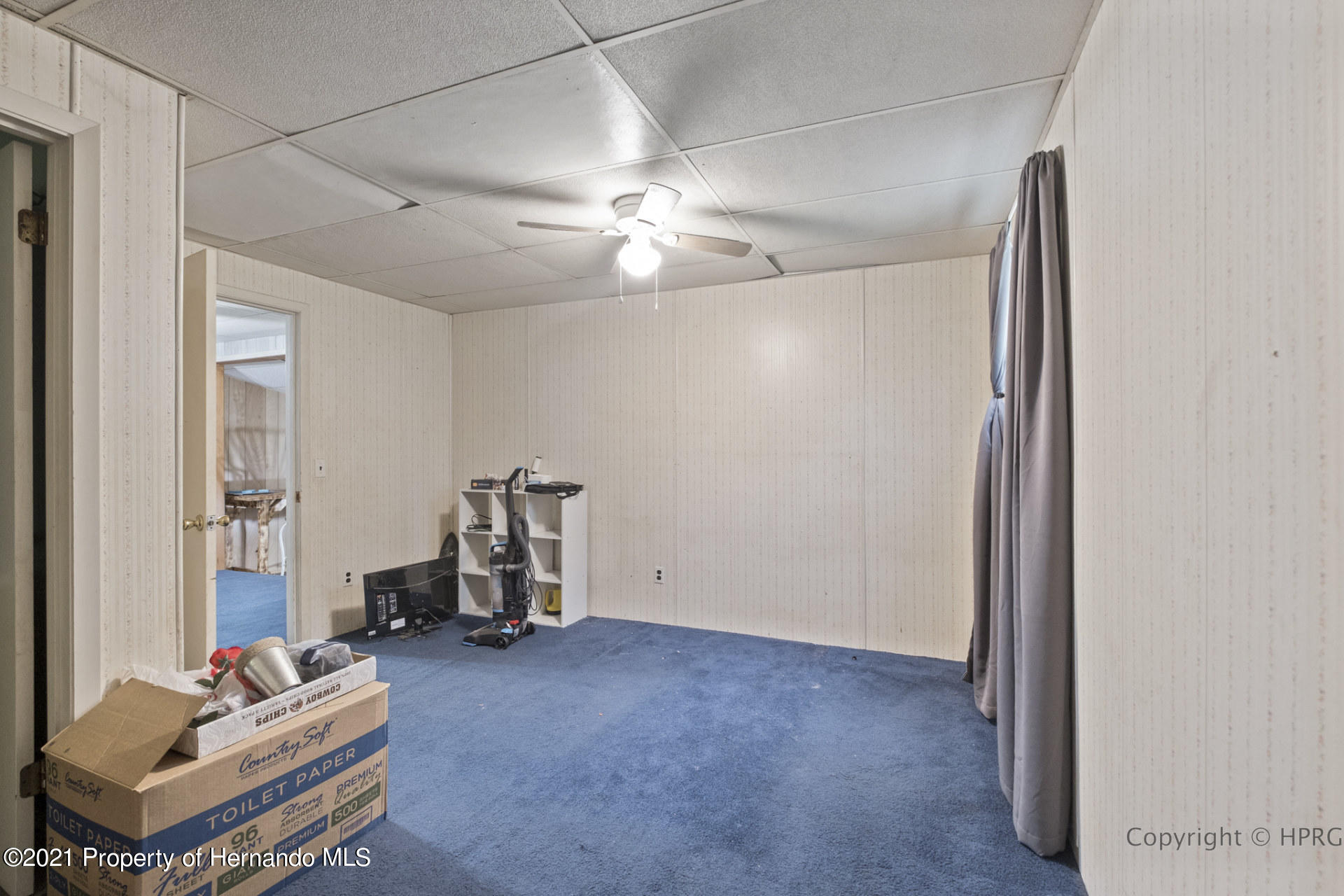 Listing photo id 8 for 7071 Lang Street