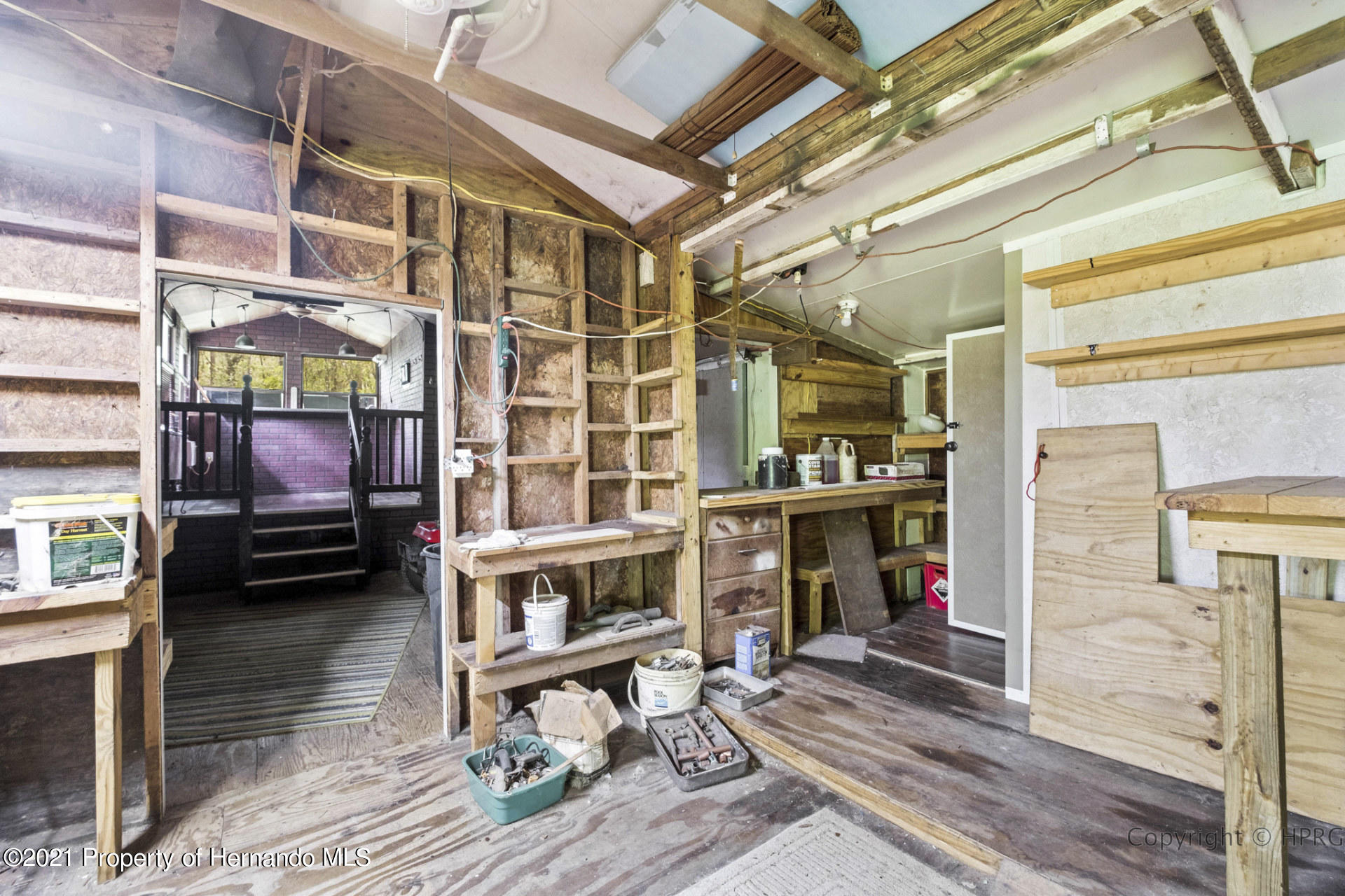 Listing photo id 20 for 7071 Lang Street